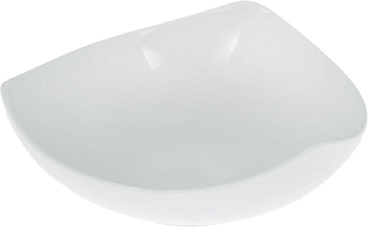Салатник Wilmax, диаметр 13 смWL-992613 / AСалатник Wilmax изготовлен из высококачественного фарфора, покрытого слоем глазури. Предназначен для подачи соусов или варенья, а также некоторых видов закусок. Такой салатник пригодится в любом хозяйстве, он подойдет как для праздничного стола, так и для повседневного использования. Изделие функциональное, практичное и легкое в уходе. Можно мыть в посудомоечной машине и ставить в микроволновую печь.