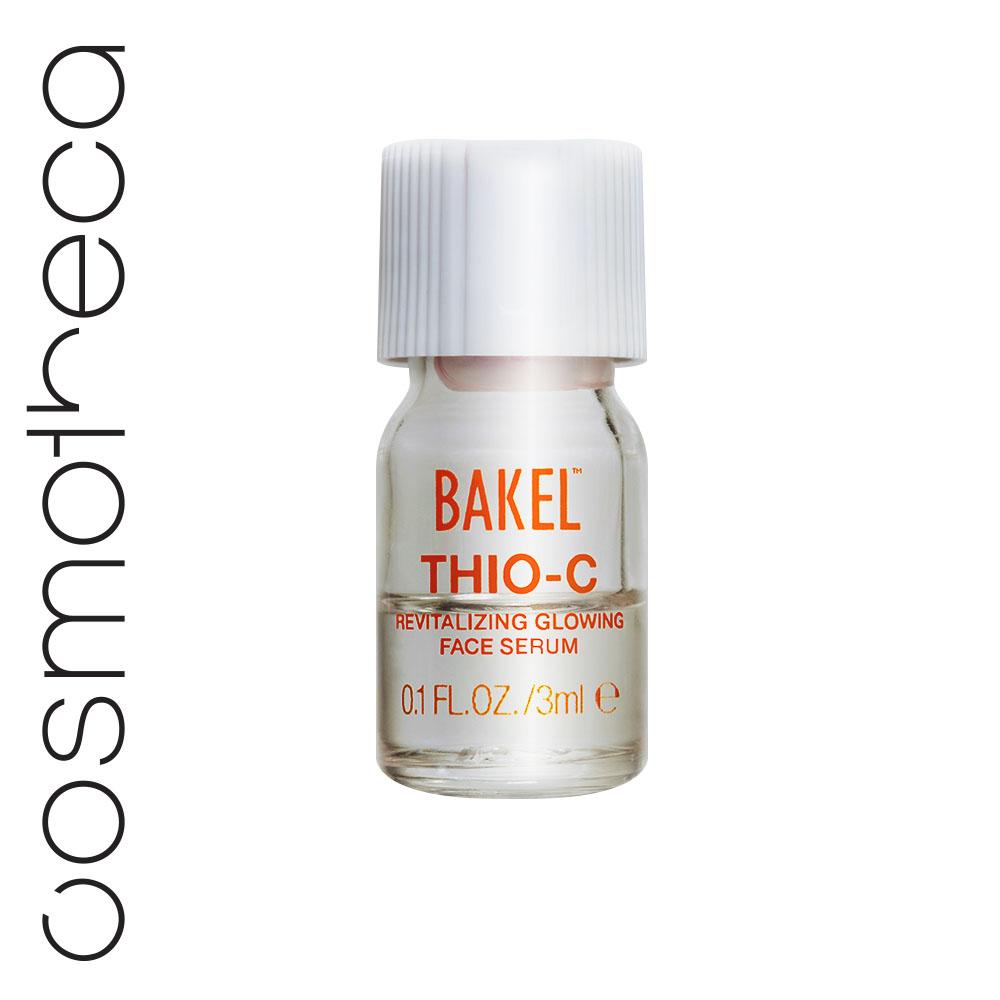 Bakel Оживляющая сыворотка для лица, придающая сияние коже 10х3 млTHIOCОживляющая антивозрастная сыворотка для любых участков кожи, возвращающая здоровое молодое сияние. Эксклюзивная формула сыворотки устраняет тусклый и неровный тон кожи, вызванный воздействием солнца и/или загрязнением атмосферы: с первого применения кожа становится более гладкой и сияющей. Идеально подходит для носогубных складок и деликатной области вокруг глаз и век. Ее эффективность обеспечивается с помощью мгновенной активации порошка чистого витамина С с жидкостью, содержащей глютатайон.