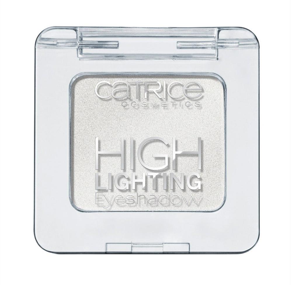 Catrice Тени для век Highlighting Eyeshadow 010 Turn The High Lights On! Белый, 19 гр56264Новые тени от CATRICE помогут с легкостью расставить изящные акценты в вашем макияже благодаря нежной кремовой текстуре и светоотражающим частицам, входящим в состав. Кремовая текстура теней легка в нанесении и представлена в трех оттенках – сияющий белый (shimmering white), жемчужный золотой (pearly gold) и пастельный розовый (pastel rose).