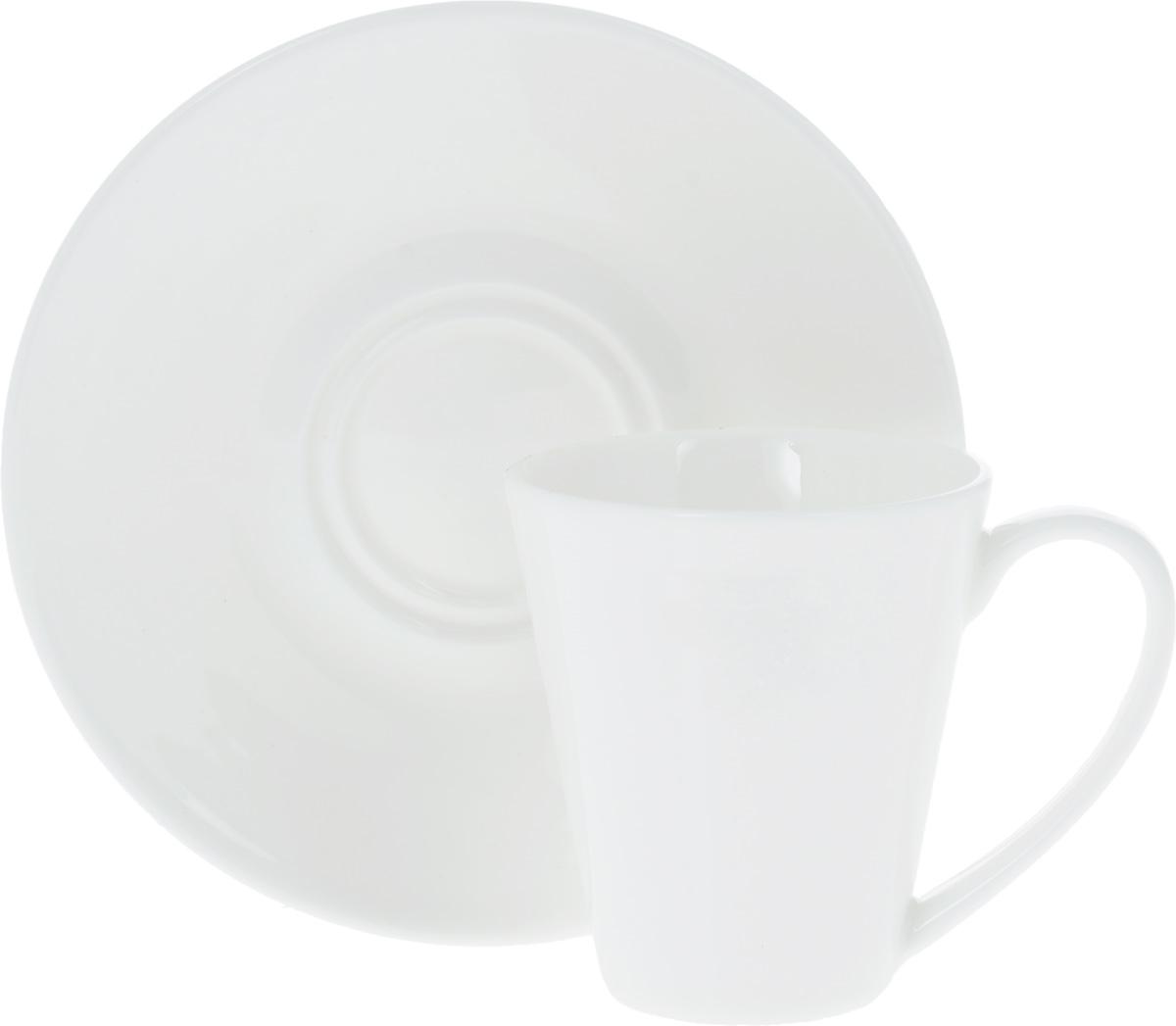 Кофейная пара Wilmax, 2 предмета. WL-993054 / ABWL-993054 / ABКофейная пара Wilmax состоит из чашки и блюдца. Изделия выполнены из высококачественного фарфора, покрытого слоем глазури. Изделия имеют лаконичный дизайн, просты и функциональны в использовании. Кофейная пара Wilmax украсит ваш кухонный стол, а также станет замечательным подарком к любому празднику. Изделия можно мыть в посудомоечной машине и ставить в микроволновую печь. Объем чашки: 110 мл. Диаметр чашки (по верхнему краю): 6 см. Высота чашки: 7 см. Диаметр блюдца: 13 см.