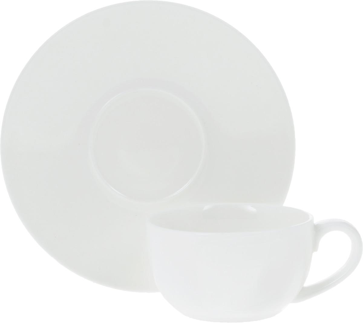 Кофейная пара Wilmax, 2 предмета. WL-993002 / ABWL-993002 / ABКофейная пара Wilmax состоит из чашки и блюдца. Изделия выполнены из высококачественного фарфора, покрытого слоем глазури. Изделия имеют лаконичный дизайн, просты и функциональны в использовании. Кофейная пара Wilmax украсит ваш кухонный стол, а также станет замечательным подарком к любому празднику. Изделия можно мыть в посудомоечной машине и ставить в микроволновую печь. Объем чашки: 100 мл. Диаметр чашки (по верхнему краю): 7 см. Высота чашки: 4 см. Диаметр блюдца: 13,5 см.