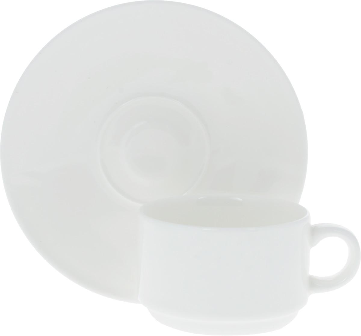 Кофейная пара Wilmax, 2 предмета. WL-993039 / ABWL-993039 / ABКофейная пара Wilmax состоит из чашки и блюдца. Изделия выполнены из высококачественного фарфора, покрытого слоем глазури. Изделия имеют лаконичный дизайн, просты и функциональны в использовании. Кофейная пара Wilmax украсит ваш кухонный стол, а также станет замечательным подарком к любому празднику. Изделия можно мыть в посудомоечной машине и ставить в микроволновую печь. Объем чашки: 140 мл. Диаметр чашки (по верхнему краю): 7 см. Высота чашки: 5 см. Диаметр блюдца: 13 см.