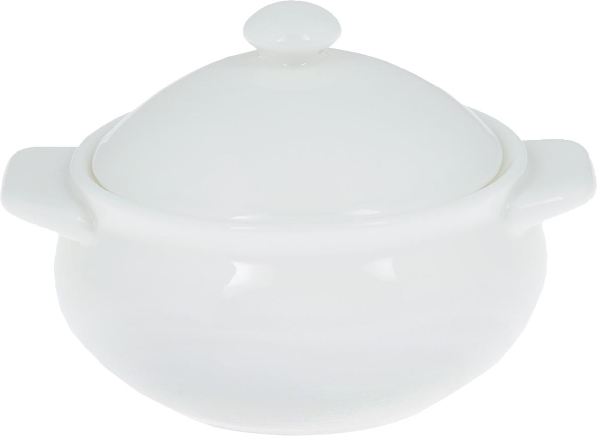 Горшок для запекания Wilmax, 350 млWL-997000 / AГоршок для запекания Wilmax изготовлен из высококачественного фарфора. Изделие подходит для запекания различных блюд и может быть использовано для подачи на стол. Горшок снабжен крышкой и двумя ручками. Такое изделие станет отличным дополнением к вашему кухонному инвентарю, оно украсит сервировку стола и подчеркнет прекрасный вкус хозяина. Можно использовать в микроволновой печи. Диаметр (по верхнему краю): 10,5 см. Ширина (с учетом ручек): 14 см. Высота стенки: 6 см.