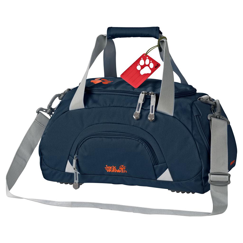 Сумка спортивная Jack Wolfskin Rockpoppy, цвет: темно-синий, 25 л. 2004441-10102004441-1010Компактная спортивная сумка для детского сада и начальной школы с отделением для обуви. Компактность и рациональное деление: ROCKPOPPY — это спортивная сумка для детей дошкольного и раннего школьного возраста. Ее особенность заключается в продуманной комбинации отделений: наряду с большим основным отделением и маленьким боковым отделением для кошелька, ключей и прочего мы предусмотрели в сумке отделение для обуви. Оно закрывается на застежку-молнию, доступно снаружи и проветривается через сетчатое окошко. Сюда складывается спортивная обувь, а спортивная одежда и полотенце хранятся отдельно и остаются чистыми. В зависимости от предпочтений ребенок может носить спортивную сумку ROCKPOPPY за мягкие ручки или через плечо на плечевом ремне. Плечевой ремень регулируется по длине и отстегивается.