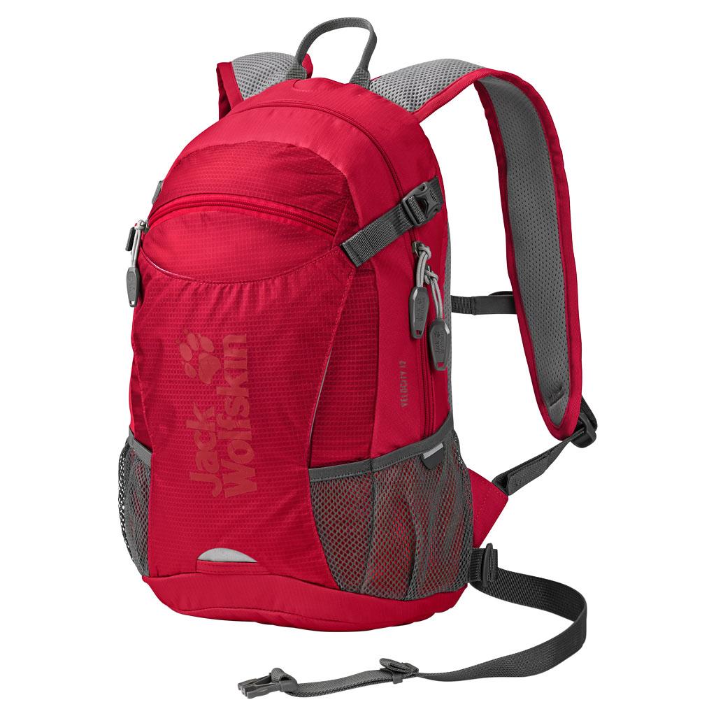 Рюкзак спортивный Jack Wolfskin Velocity 12, цвет: красный, 12 л. 2004961-20512004961-2051Рюкзак для велоспорта и бега. Активность в велосипедной прогулке и все самое важное с собой: VELOCITY 12 — наш маленький спортивный рюкзак с поддерживающей системой ACS TIGHT (ЭйСиЭс ТАЙТ). Он располагается близко к телу, поэтому идеально подходит для спортивных походов. Центральный вентиляционный канал, воздухопроницаемая подушка для спины и дышащий сетчатый чехол обеспечивают оптимальную вентиляцию спины. Велосипедное оснащение включает также практичное крепление для шлема и светодиодного фонарика, расположенное спереди.