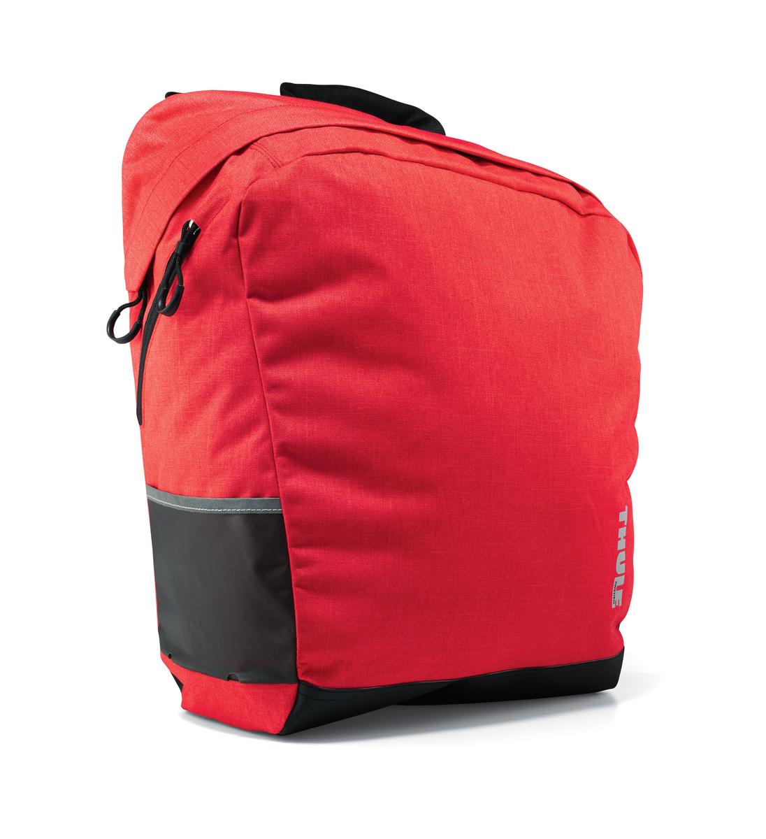 Сумка городская Thule Tote2, цвет: темно-красный100003Велосипедная сумка Tote2 — идеальный вариант для шопинга во время поездок по городу и пикника за городом. - Стильный дизайн - Водонепроницаемый материал - Объем сумки 23,5 литров - Легко крепится с помощью специальных зажимов к багажнику Thule Pack'n Pedal Tour - Для еще большего удобства размещения сумки на багажнике и быстрого крепления рекомендуем дополнительно использовать адаптер-раму для багажника Thule Pack'n Pedal Tour - Возможна установка сумки на переднем или заднем колесе велосипеда - Оснащена системой Blade/Helix/Magnetic для удобства крепления на багажник (с помощью зажимов в один клик и магнита для дополнительного прилегания сумки к раме багажника) - Удобные ручки и ремни для переноски после снятия с велосипеда - Боковые карманы - Светоотражающие элементы по бокам сумки - Наплечный ремень входит в комплект