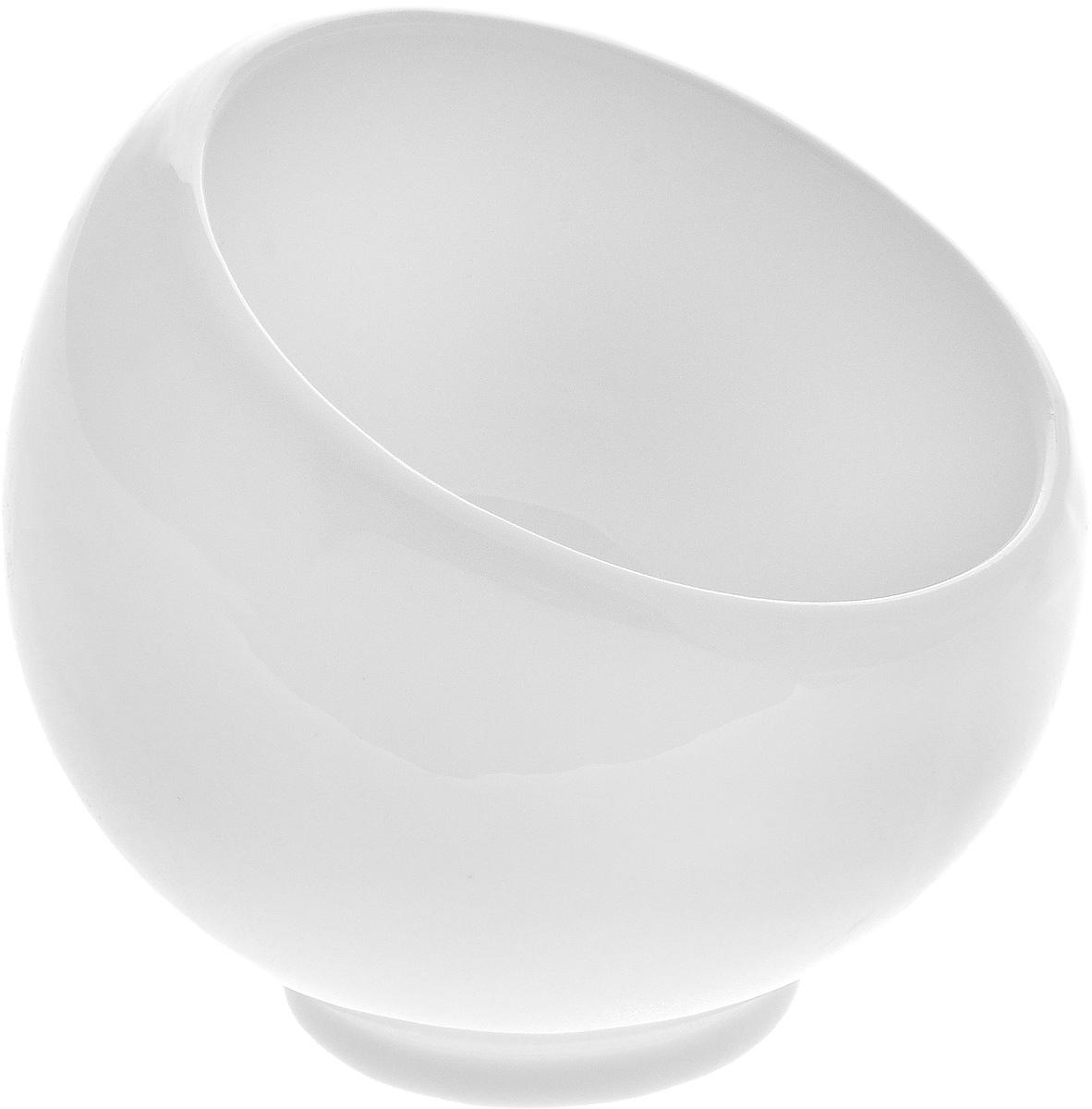 Сахарница Wilmax, 220 млWL-995000 / AСахарница Wilmax выполнена из высококачественного фарфора с глазурованным покрытием. Изделие имеет элегантную форму и может использоваться в качестве креманки. Десерт, поданный в такой посуде, будет ещё более сладким. br> Сахарница Wilmax станет отличным дополнением к сервировке семейного стола и замечательным подарком для ваших родных и друзей. Можно мыть в посудомоечной машине и использовать в микроволновой печи. Диаметр (по верхнему краю): 8,5 см. Высота (без учета крышки): 9 см.