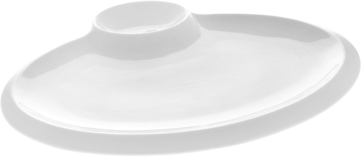 Блюдо овальное Wilmax, с соусником, 35 х 27 х 1,5 смWL-992631 / AБлюдо Wilmax выполнено из высококачественного фарфора с глазурованным покрытием. Внутри блюда находится соусник. Блюдо Wilmax идеально подойдет для сервировки стола и станет отличным подарком к любому празднику. Размер блюда (по верхнему краю): 35 х 27 х 1,5 см. Размер соусника: 7,5 х 10,5 см.