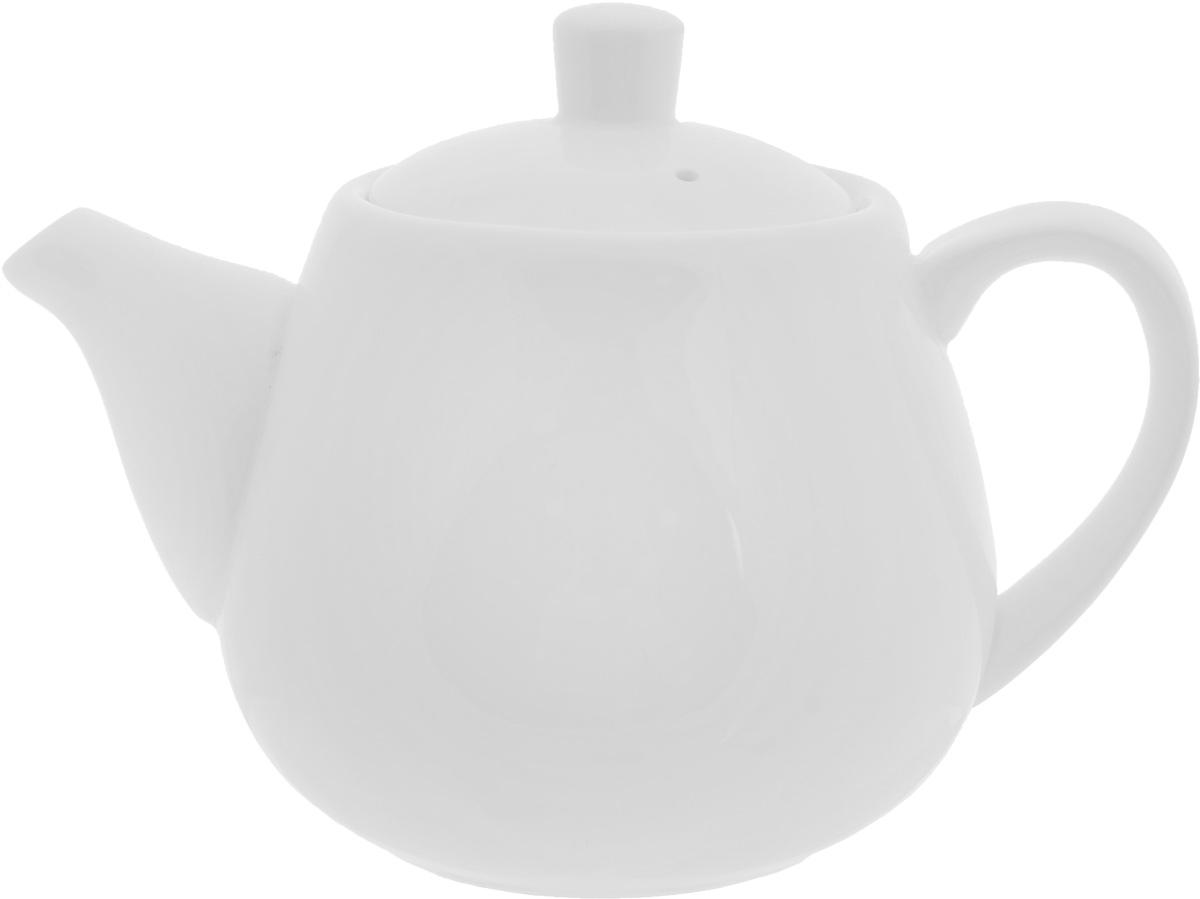 Чайник заварочный Wilmax, 700 млWL-994004 / 1CЗаварочный чайник Wilmax изготовлен из высококачественного фарфора. Глазурованное покрытие обеспечивает легкую очистку. Изделие прекрасно подходит для заваривания вкусного и ароматного чая, а также травяных настоев. Ситечко в основании носика препятствует попаданию чаинок в чашку. Оригинальный дизайн сделает чайник настоящим украшением стола. Он удобен в использовании и понравится каждому. Можно мыть в посудомоечной машине и использовать в микроволновой печи. Диаметр чайника (по верхнему краю): 8 см. Высота чайника (без учета крышки): 10,2 см.