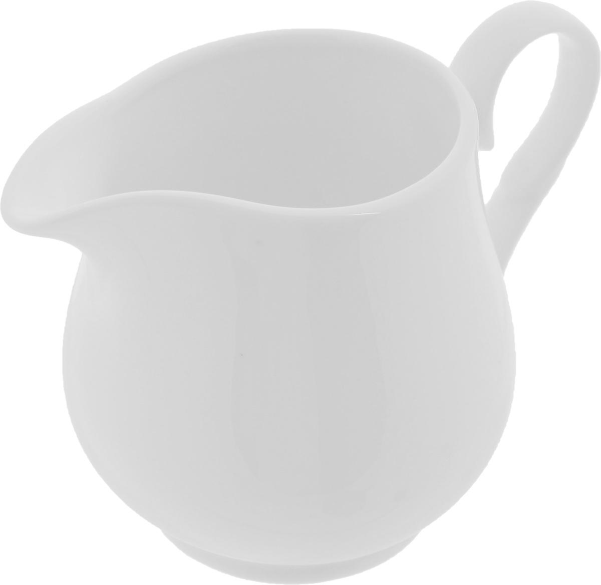 Молочник Wilmax, 300 млWL-995020 / 1CЭлегантный молочник Wilmax, выполненный из высококачественного фарфора с глазурованным покрытием, предназначен для подачи сливок, соуса и молока. Изящный, но в тоже время простой дизайн молочника, станет прекрасным украшением стола. Диаметр молочника по верхнему краю: 6,2 см. Диаметр основания: 5,5 см. Высота молочника: 9 см.