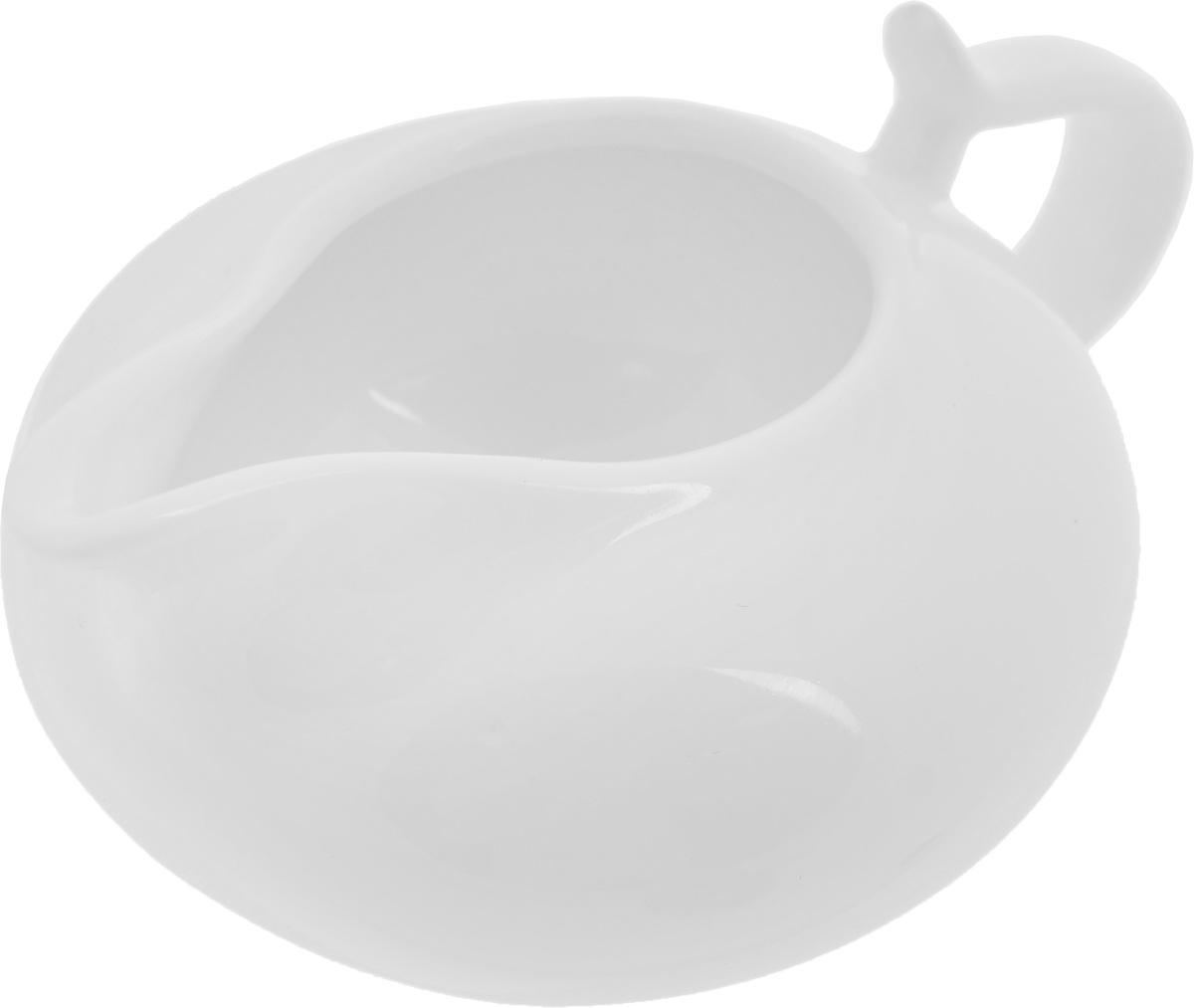 Молочник Wilmax, 250 мл. WL-995022 / 1CWL-995022 / 1CЭлегантный молочник Wilmax, выполненный из высококачественного фарфора с глазурованным покрытием, предназначен для подачи сливок, соуса и молока. Изящный, но в тоже время простой дизайн молочника, станет прекрасным украшением стола. Диаметр молочника по верхнему краю: 5 см. Диаметр основания: 5,7 см. Ширина молочника (с учетом ручки и носика): 14 см. Высота молочника: 6,5 см.
