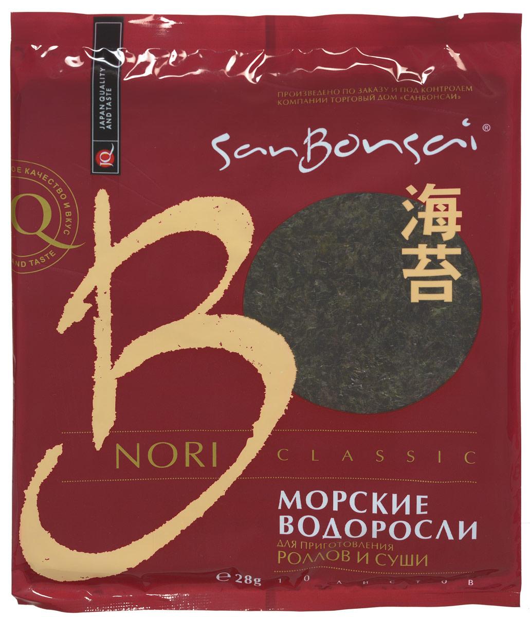 SanBonsai Nori Classic морские водоросли для роллов и суши, 28 г (10 листов)8257SanBonsai Nori Classic - морские водоросли для роллов и суши. Нори изготовлены из измельченных, а затем высушенных на сетке водорослей без каких-либо добавок. Листы нори используются для приготовления суши, роллов, гунканов, а также как ингредиент для Азиатских первых и вторых блюд. Морские водоросли SanBonsai высокого качества - плотные, ровные, без просветов. Морские водоросли Нори SanBonsai Nori Classic содержат йод, растительный протеин, витамины и минералы. При регулярном употреблении нори в пищу замечено значительное снижение уровня холестерина в крови, что говорит о небольшой вероятности заболеть атеросклерозом. Наблюдения ученых показали, что водоросли обладают антираковыми свойствами, а также содействуют восстановлению иммунной системы. Польза водоросли нори заключается не только в способности выводить радиоактивные вещества и токсичные металлы из организма, но и укреплять сердечнососудистую систему. При заболеваниях щитовидной...