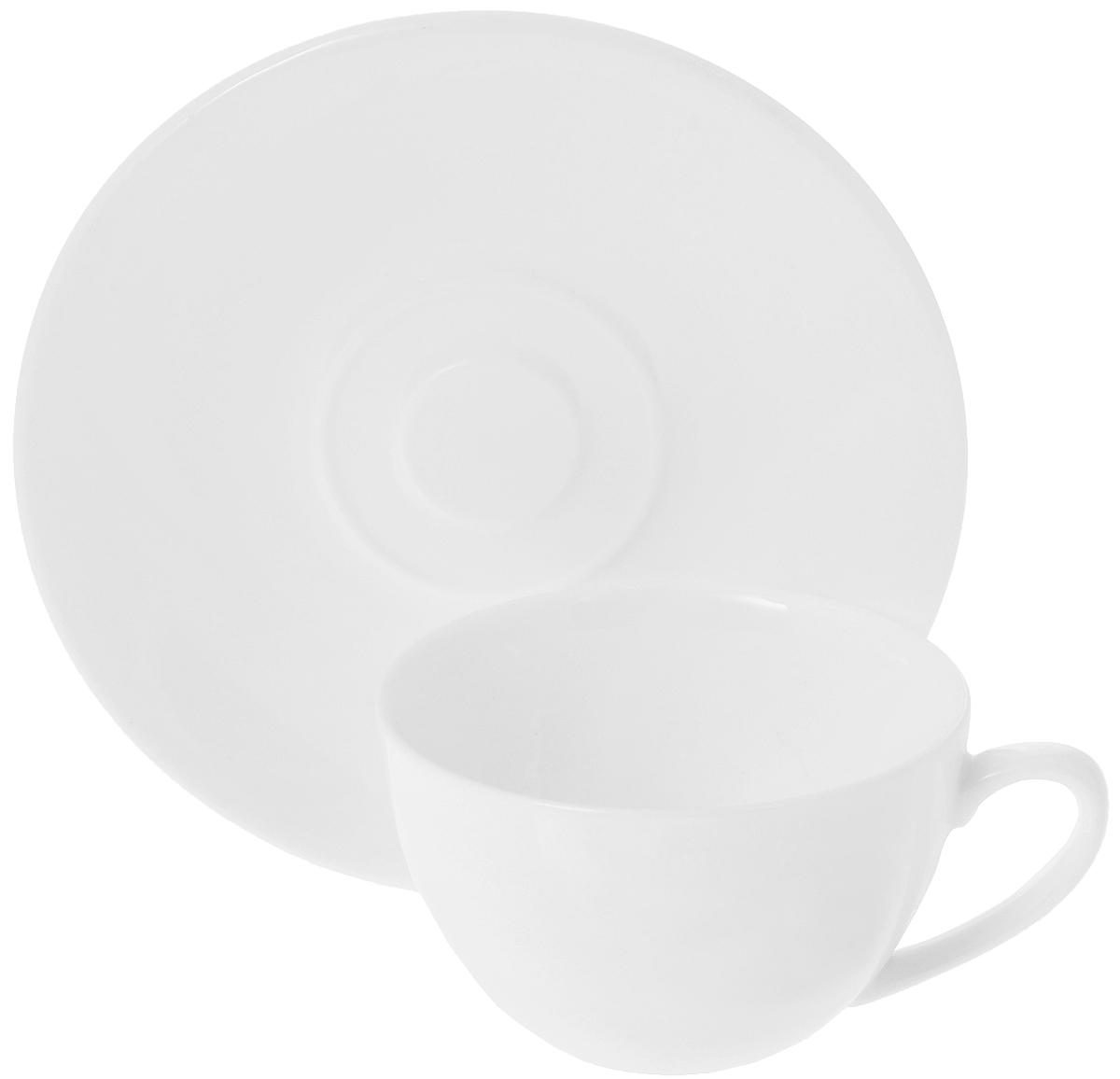 Кофейная пара Wilmax, 2 предмета. WL-993001 / ABWL-993001 / ABКофейная пара Wilmax состоит из чашки и блюдца. Изделия выполнены из высококачественного фарфора, покрытого слоем глазури. Изделия имеют лаконичный дизайн, просты и функциональны в использовании. Кофейная пара Wilmax украсит ваш кухонный стол, а также станет замечательным подарком к любому празднику. Изделия можно мыть в посудомоечной машине и ставить в микроволновую печь. Объем чашки: 180 мл. Диаметр чашки (по верхнему краю): 8,5 см. Высота чашки: 5 см. Диаметр блюдца: 14 см.