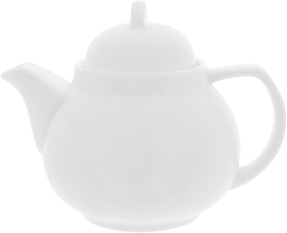 Чайник заварочный Wilmax, 420 млWL-994009 / 1CЗаварочный чайник Wilmax изготовлен из высококачественного фарфора. Глазурованное покрытие обеспечивает легкую очистку. Изделие прекрасно подходит для заваривания вкусного и ароматного чая, а также травяных настоев. Ситечко в основании носика препятствует попаданию чаинок в чашку. Оригинальный дизайн сделает чайник настоящим украшением стола. Он удобен в использовании и понравится каждому. Можно мыть в посудомоечной машине и использовать в микроволновой печи. Диаметр чайника (по верхнему краю): 7 см. Высота чайника (без учета крышки): 8,5 см.