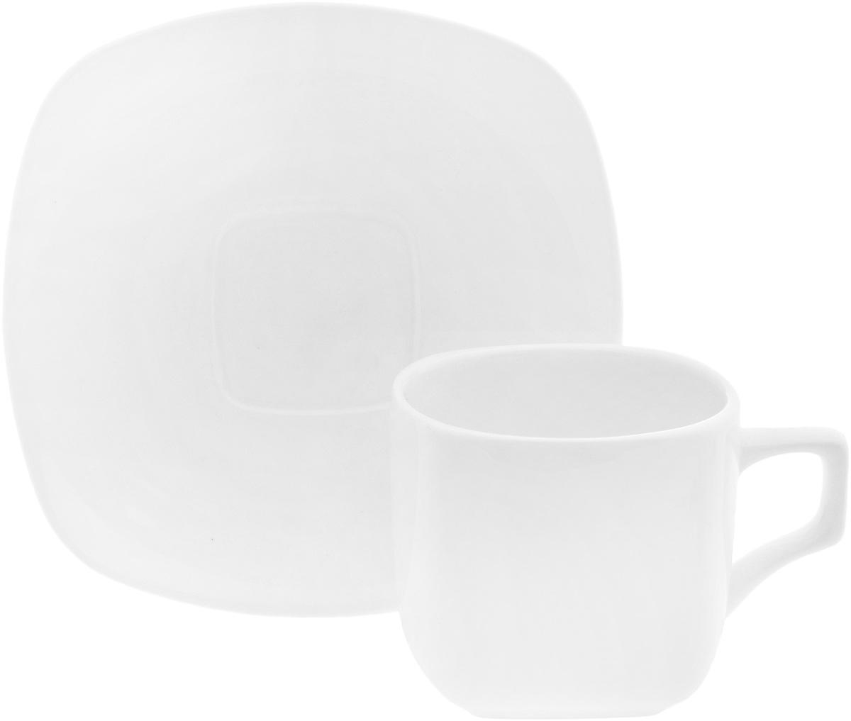 Чайная пара Wilmax, 2 предмета. WL-993003/1CWL-993003/1CЧайная пара Wilmax состоит из чашки и блюдца. Изделия выполнены из высококачественного фарфора и имеют необычную форму. Оригинальный дизайн, несомненно, придется вам по вкусу. Чайная пара Wilmax украсит ваш кухонный стол, а также станет замечательным подарком к любому празднику. Объем чашки: 200 мл. Размер чашки (по верхнему краю): 7,5 х 7,5 см. Высота чашки: 6,5 см. Размер блюдца: 14,5 х 14,5 см. Высота блюдца: 2 см.
