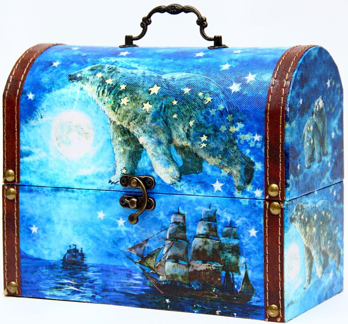 Шкатулка декоративная Magic Home Большая медведица, цвет: синий, 22 х 11 х 17,5 см42745Декоративная шкатулка Magic Home Большая медведица, выполненная из МДФ, оформлена ярким цветным изображением. Изделие закрывается на металлический замок и оснащено оригинальной ручкой под старину для переноски. Такая шкатулка может использоваться для хранения бижутерии, предметов рукоделия, в качестве украшения интерьера, а также послужит хорошим подарком для человека, ценящего практичные и оригинальные вещицы.