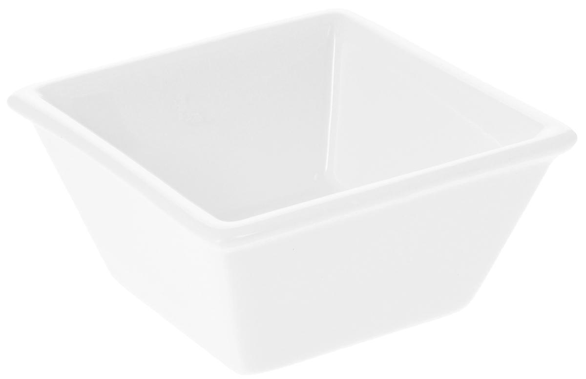 Соусник Wilmax, 85 млWL-992546 / AЭлегантный соусник Wilmax изготовлен из высококачественного фарфора. Приятный глазу дизайн и отменное качество соусника будут долго радовать вас. Соусник Wilmax украсит сервировку вашего стола и подчеркнет прекрасный вкус хозяина. Размер соусника (по верхнему краю): 7,5 х 7,5 см. Высота соусника: 3,5 см.