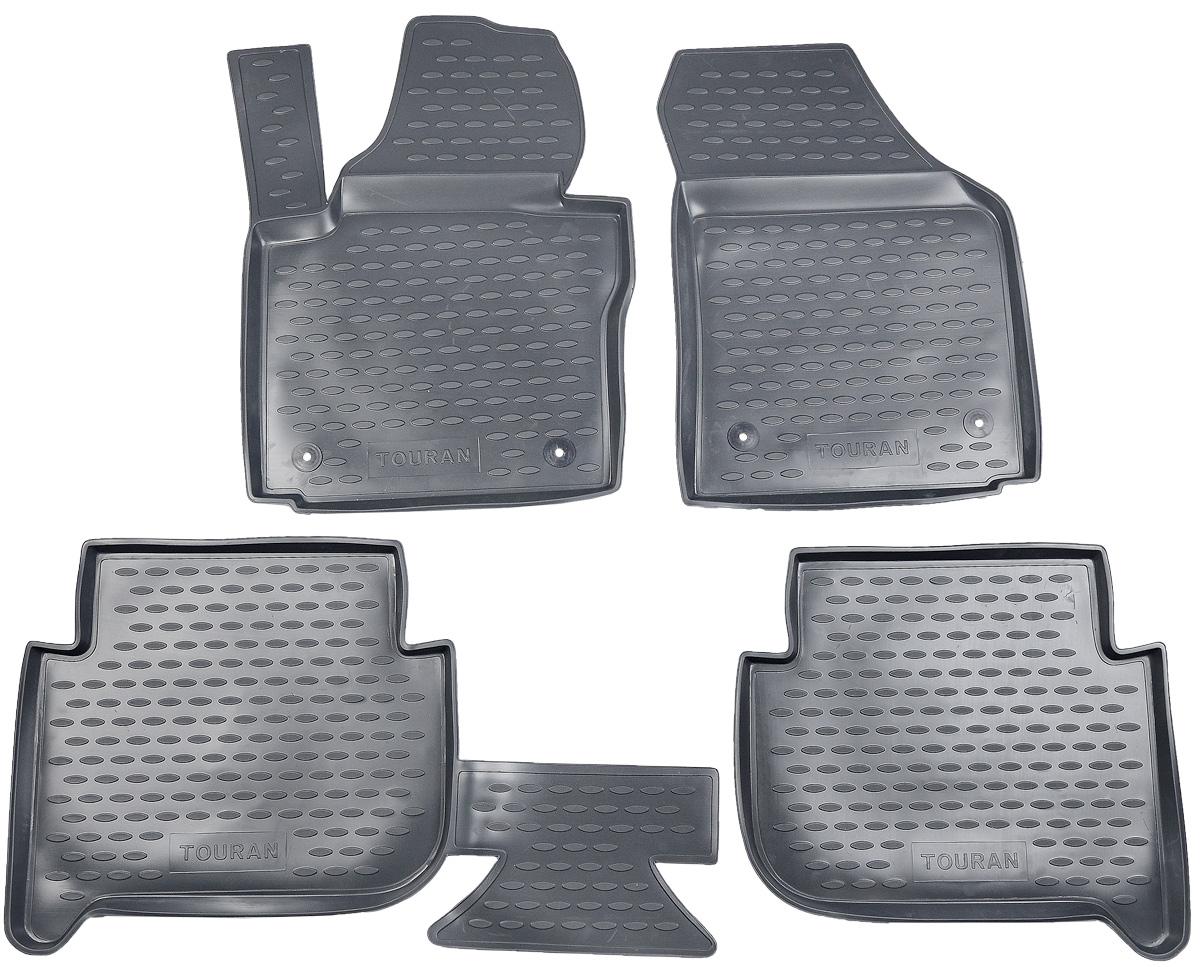 Набор автомобильных ковриков Novline-Autofamily для Volkswagen Touran 11/2006->, 5 мест, в салон, цвет: темно-серый, 4 штNLC.51.10.211kНабор автомобильных ковриков Novline-Autofamily, изготовленный из полиуретана, состоит из 4 ковриков, которые учитывают все особенности каждой модели автомобиля и полностью повторяют контуры пола. Полиуретановые автомобильные коврики для салона произведены из высококачественного материала, который держит форму, прочный и не пачкает обувь. Коврики в салон не только улучшат внешний вид салона вашего автомобиля, но и надежно уберегут его от пыли, грязи и сырости, а значит, защитят кузов от коррозии. Полиуретановые коврики для автомобиля гладкие, приятные и не пропускают влагу. Ковры для автомобилей надежно крепятся на полу и не скользят, что очень важно во время движения. Чистятся коврики очень просто: как при помощи автомобильного пылесоса, так и различными моющими средствами. Набор подходит для Volkswagen Touran 5 мест с ноября 2006 года выпуска.