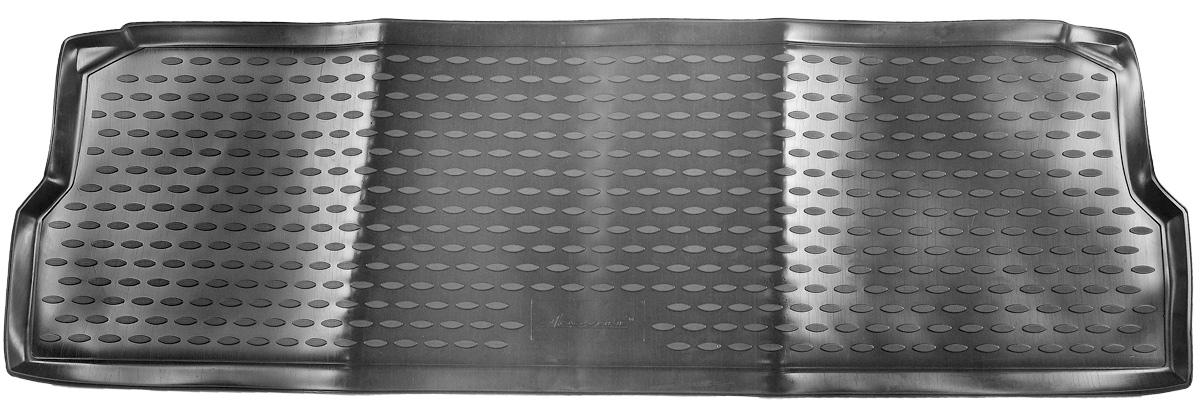 Коврик в салон автомобиля Novline-Autofamily, для Land Rover Defender 110 5D 2007->, третий рядNLC.28.10.210hКоврик в салон Novline-Autofamily не только улучшит внешний вид салона вашего автомобиля, но и надежно убережет его от пыли, грязи и сырости, а значит, защитит кузов от коррозии. Полиуретановый коврик для автомобиля гладкий, приятный и не пропускает влагу. Автомобильный коврик в салон учитывает все особенности каждой модели и полностью повторяет контуры пола. Благодаря этому его не нужно будет подгибать или обрезать. И самое главное - он не будет мешать педалям. Полиуретановый автомобильный коврик для салона произведен из высококачественного материала, который держит форму и не пачкает обувь. К тому же, этот материал очень прочный (его, к примеру, не получится проткнуть каблуком). Некоторые автоковрики становятся источником неприятного запаха в автомобиле. С полиуретановым ковриком Novline-Autofamily вы можете этого не бояться. Коврик для автомобилей надежно крепится на полу и не скользит, что очень важно во время движения, особенно для водителя. Коврик из...