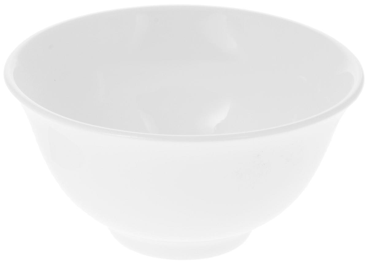 Пиала Wilmax, 145 млWL-992551 / AПиала Wilmax изготовлена из высококачественного фарфора. Изделие прекрасно подойдет для подачи салата или мороженого. Благодаря изысканному дизайну, такая пиала станет бесспорным украшением вашего стола. Она дополнит коллекцию кухонной посуды и будет служить долгие годы. Диаметр пиалы по верхнему краю: 9 см. Диаметр основания: 3,5 см. Высота пиалы: 4,5 см.