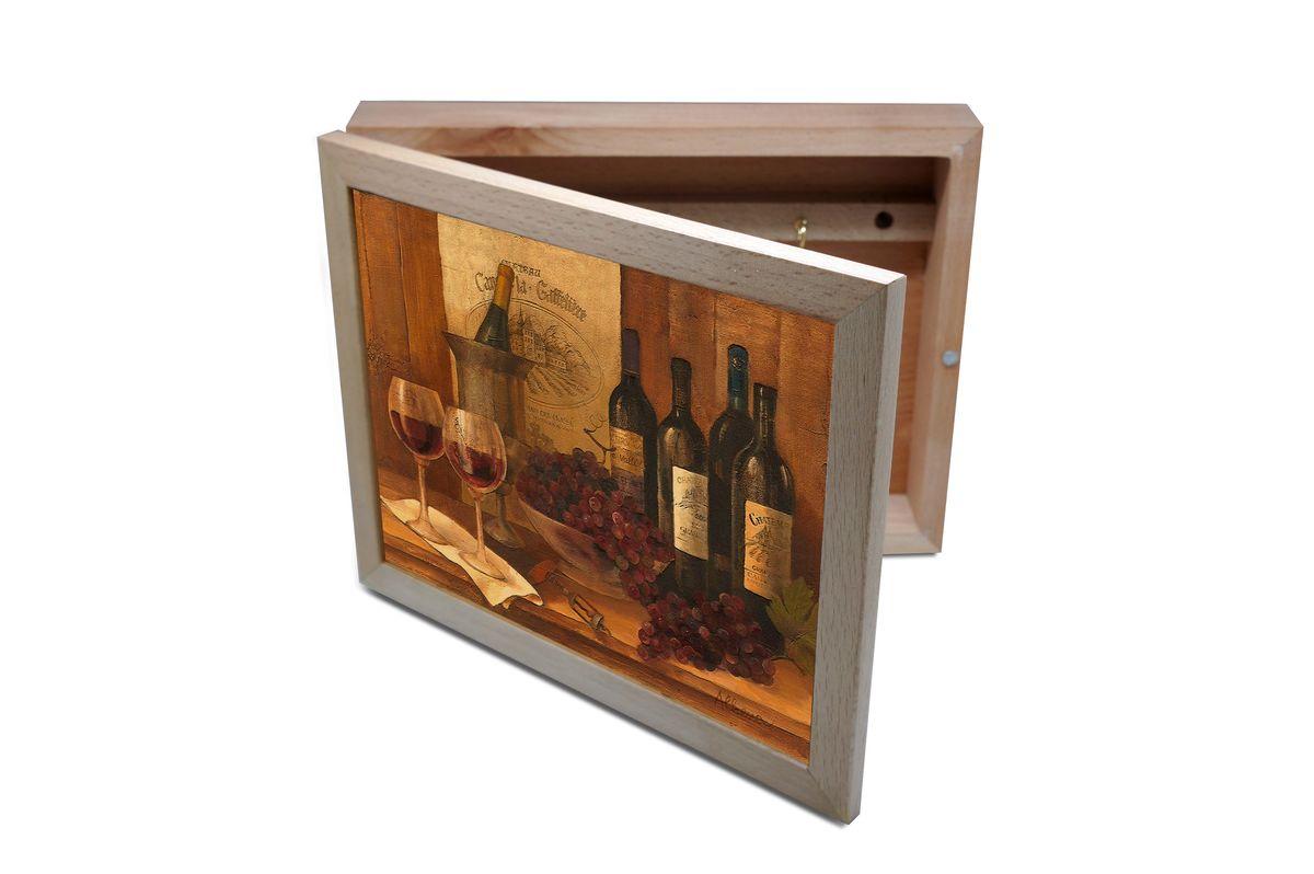 Ключница GiftnHome Винтажные вина, 20 х 25 смKbox-VinWinesВпустив в свой Дом однажды, вы почувствуете, что этот аксессуар навсегда заполнит Ваше сердце благодарностью! Теперь Вы и вся Ваша семья - всегда будете знать, где находится нужный ключ! Вам больше не нужно метаться по квартире в поисках потерянного золотого ключика или целой связки. А когда семья большая - это буквально спасательный волшебный ларец, способный элементарно организовать в одном месте самые важные ключи всех жильцов Вашего семейства. Ключница, оформленная современными модными принтами от Креативной студии АнтониоК - помимо практичности и удобства внесет оригинальный стиль и послужит прекрасным интерьерным решением в прихожей Вашего дома, дачи, офиса или студии. Товары бренда GiftnHome, серии Эко-Лайф выполнены из благородных пород дерева: бука и дуба. Они несут в дом тепло, уют и неповторимый индивидуальный стиль. Эти изделия не боятся повседневной эксплуатации и будут Вам служить долго и преданно.
