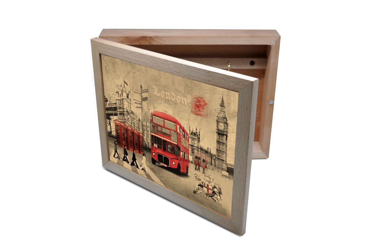 Ключница GiftnHome Лондон, 20 х 25 смKbox-LondonВпустив в свой Дом однажды, вы почувствуете, что этот аксессуар навсегда заполнит Ваше сердце благодарностью! Теперь Вы и вся Ваша семья - всегда будете знать, где находится нужный ключ! Вам больше не нужно метаться по квартире в поисках потерянного золотого ключика или целой связки. А когда семья большая - это буквально спасательный волшебный ларец, способный элементарно организовать в одном месте самые важные ключи всех жильцов Вашего семейства. Ключница, оформленная современными модными принтами от Креативной студии АнтониоК - помимо практичности и удобства внесет оригинальный стиль и послужит прекрасным интерьерным решением в прихожей Вашего дома, дачи, офиса или студии. Товары бренда GiftnHome, серии Эко-Лайф выполнены из благородных пород дерева: бука и дуба. Они несут в дом тепло, уют и неповторимый индивидуальный стиль. Эти изделия не боятся повседневной эксплуатации и будут Вам служить долго и преданно.