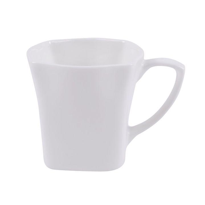 Чашка чайная Ariane Джульет, 150 мл. AJLARN44015AJLARN44015Ariane предлагает на ваш выбор широкую линейку изящного, современного фарфора Премиум класса. Коллекции фарфора Ariane созданы известными европейскими дизайнерами с многолетним опытом. Качество фарфора Ariane сравнимо с качеством 10 лучших брендов посуды в мире, таких как RAK, Steelite, Churchill. Фарфор Ariane, сделанный из высококачественного сырья, способен выдерживать любые интенсивные нагрузки и использование в индустрии общественного питания, которое известно своими высокими стандартами качества. Уникальный состав сырья, новейшие технологии и контроль качества гарантируют: снижение риска сколов, повышение термической и механической прочности, высокую сопротивляемость шоковым воздействиям, высокую устойчивость к стиранию, устойчивость к царапинам, возможность использования в духовых, микроволновых печах и посудомоечных машинах без потери внешнего вида, гладкий и блестящий внешний вид, абсолютная функциональность, относительную безопасность в случае боя, защиту от деформации.