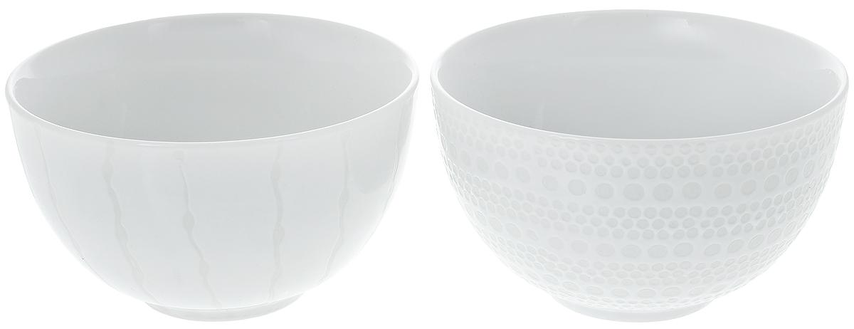 Набор салатников Asa Selection Lumi, диаметр 12 см, 2 шт90807/071Набор Asa Selection Lumi состоит из 2 салатников. Изделия, изготовленные из высококачественного фарфора, сочетают в себе изысканный дизайн с максимальной функциональностью. Они идеально подходят для сервировки стола и подачи различных закусок. Такие салатники прекрасно впишутся в интерьер вашей кухни и станут достойным дополнением к кухонному инвентарю. Можно мыть в посудомоечной машине. Диаметр салатника (по верхнему краю): 12 см. Высота салатника: 7,5 см. Объем салатника: 450 мл.