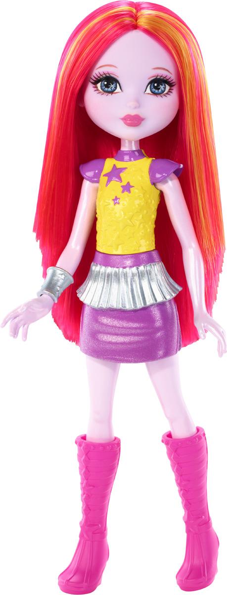 Barbie Мини-кукла Космическое приключение цвет одежды желтый фиолетовыйDNB99_DNC00Смелая маленькая кукла-фея отправляется на поиски веселья за пределы Вселенной! Эта маленькая куколка - настоящая звезда приключений. Куколка одета в желтый неснимаемый корсаж, фиолетовую юбочку и высокие розовые сапоги. На руке у куколки красуется серебристый браслетик. Длинные волосы куколки мягкие и послушные, их приятно расчесывать и создавать различные прически. Эта симпатичная куколка подарит море веселья и приключений. Вашей малышке понравится воссоздавать сцены или разыгрывать с куклой сюжеты собственных историй. Руки и ноги у куклы подвижные, что позволяет придать разнообразные позы. Собери всех кукол и все аксессуары из фильма Barbie и космическое приключение и открой для себя целую вселенную увлекательных историй!
