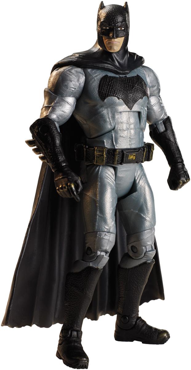 DC Comics Фигурка Suicide Squad БэтменDNV37_DNV47Правительство решилось превратить худших преступников в борцов со злом - но это не значит, что они стали героями. Каждая из шести фигурок, создана по мотивам фильма Отряд самоубийц, обладает более чем 18 подвижными соединениями, высокой детализацией, костюмом, полностью соответствующим фильму, а также выражением лица, не сулящим врагам ничего хорошего. Бэтмен (настоящее имя Брюс Уэйн) - вымышленный герой, персонаж комиксов издательства DC Comics, впервые появившийся в 1939 году, который посвятил свою жизнь искоренению преступности и борьбе за справедливость. В мае 2011 года Бэтмен занял 2 место в списке Сто лучших героев комиксов всех времен, уступив лишь Супермену.