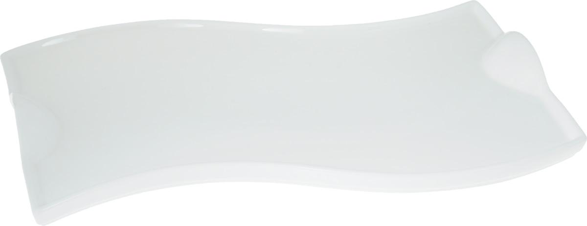 Блюдо Wilmax, 36 х 21 смWL-992578 / AОригинальное блюдо Wilmax, изготовленное из фарфора с глазурованным покрытием, прекрасно подойдет для подачи нарезок, закусок и других блюд. Оно украсит ваш кухонный стол, а также станет замечательным подарком к любому празднику. Размер блюда: 36 х 21 см.