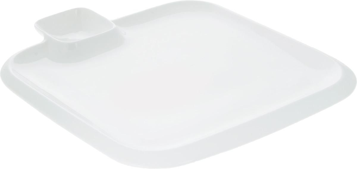 Блюдо Wilmax, 31 х 31 смWL-992655 / AОригинальное блюдо Wilmax, выполненное из высококачественного фарфора, имеет квадратную форму и оснащено соусником. Изделие идеально подойдет для сервировки праздничного или обеденного стола, а также станет отличным подарком к любому празднику. Размер блюда: 31 х 31 см. Размер соусника: 7,8 х 7,8 см.