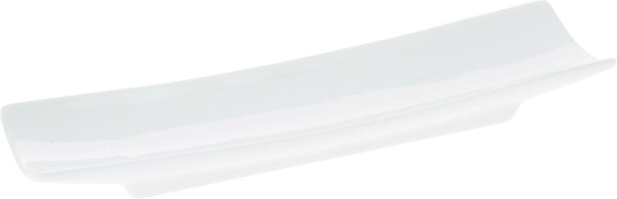 Блюдо Wilmax, 27,5 х 8 смWL-992626 / AОригинальное прямоугольное блюдо Wilmax, изготовленное из фарфора с глазурованным покрытием, прекрасно подойдет для подачи нарезок, закусок и других блюд. Фарфор от Wilmax изготовлен по уникальному рецепту из сплава магния и алюминия, благодаря чему посуда обладает характерной белизной, прочностью и устойчивостью к сколами. Особый состав глазури обеспечивает гладкость и блеск поверхности изделия. Оно украсит ваш кухонный стол, а также станет замечательным подарком к любому празднику. Можно мыть в посудомоечной машине и использовать в микроволновой печи. Изделие пригодно для использования в духовых печах и выдерживает температуру до 300°С.
