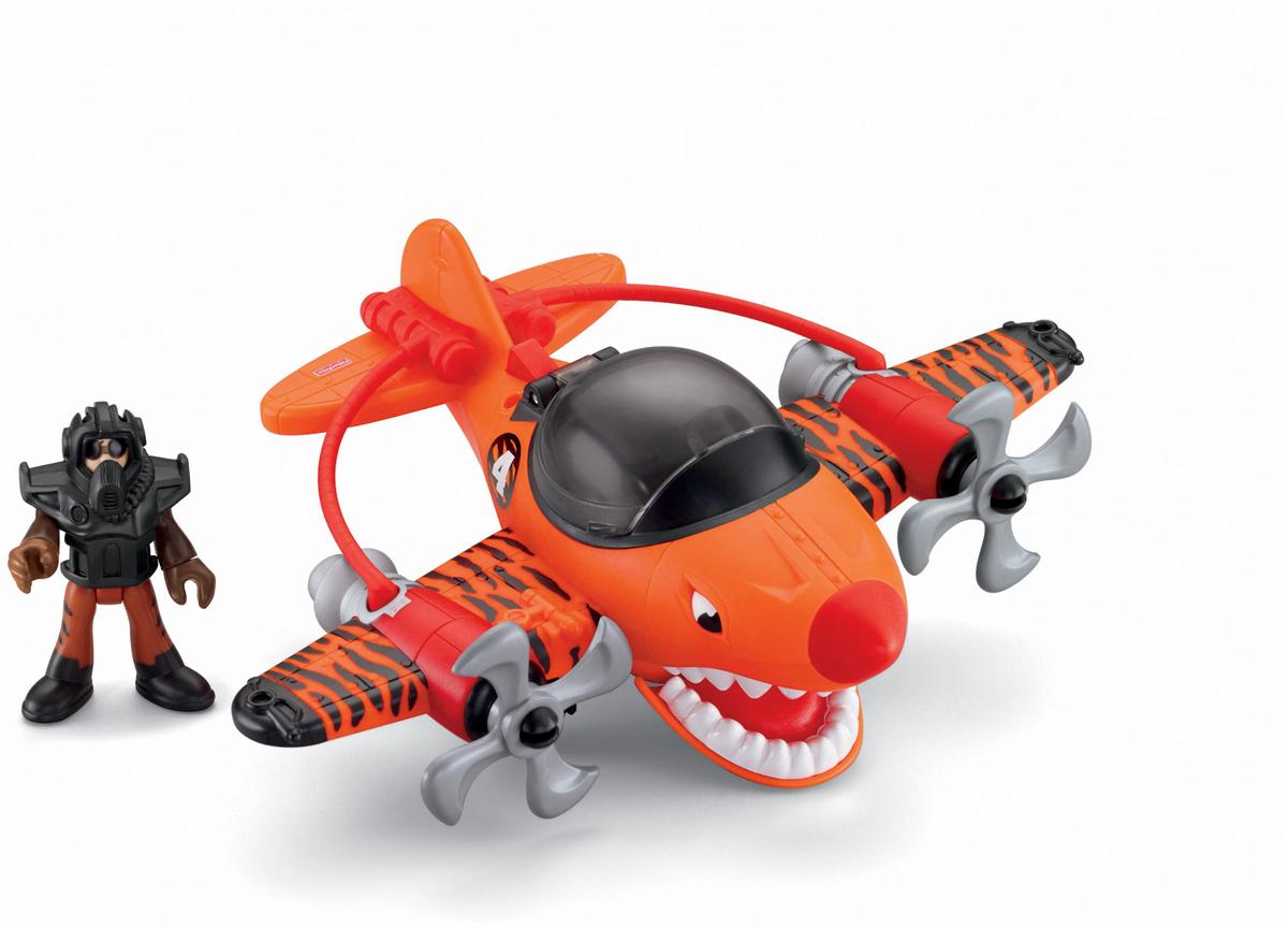 Imaginext Самолет Летающий тигрT5308_T5309Навстречу приключениям! Самолет Imaginext Летающий тигр очень похож на настоящего тигра: он имеет тигриную раскраску с полосками на крыльях и большую зубастую пасть, которую он может открывать при нажатии кнопки за кабиной. Пропеллеры самолета похожи на когти, а на передней части фюзеляжа располагаются тигриные глаза. Стекло кабины открывается, внутрь можно посадить пилота. В комплекте с самолетом идет фигурка пилота, костюм которого также похож на шкуру тигра, и летный костюм с маской. Голова, руки и ноги фигурки пилота подвижны, пропеллеры вращаются. Подарите вашему ребенку такую замечательную игрушку.