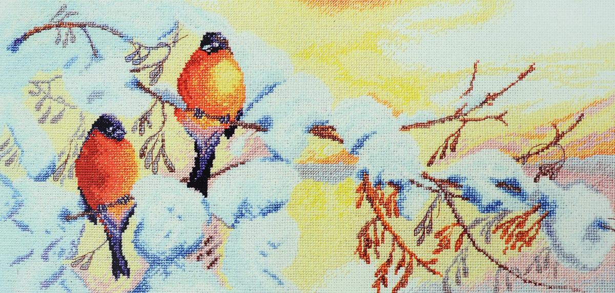 Набор для вышивания крестом Марья Искусница Зимнее чудо, 40 х 20 см03.011.04Набор для вышивания крестом Марья Искусница Зимнее чудо поможет создать красивую вышитую картину по рисунку О. Цуриной. Рисунок-вышивка, выполненный на канве, выглядит стильно и модно. Вышивание отвлечет вас от повседневных забот и превратится в увлекательное занятие! Работа, сделанная своими руками, не только украсит интерьер дома, придав ему уют и оригинальность, но и будет отличным подарком для друзей и близких! Набор содержит все необходимые материалы для вышивки на канве в технике счетный крест. В набор входит: - канва Aida 16 Zweigart (белого цвета), - нитки мулине Finca - хлопок (25 цветов), - нить Kreinik, - черно-белая символьная схема, - инструкция на русском языке, - игла Hemline.