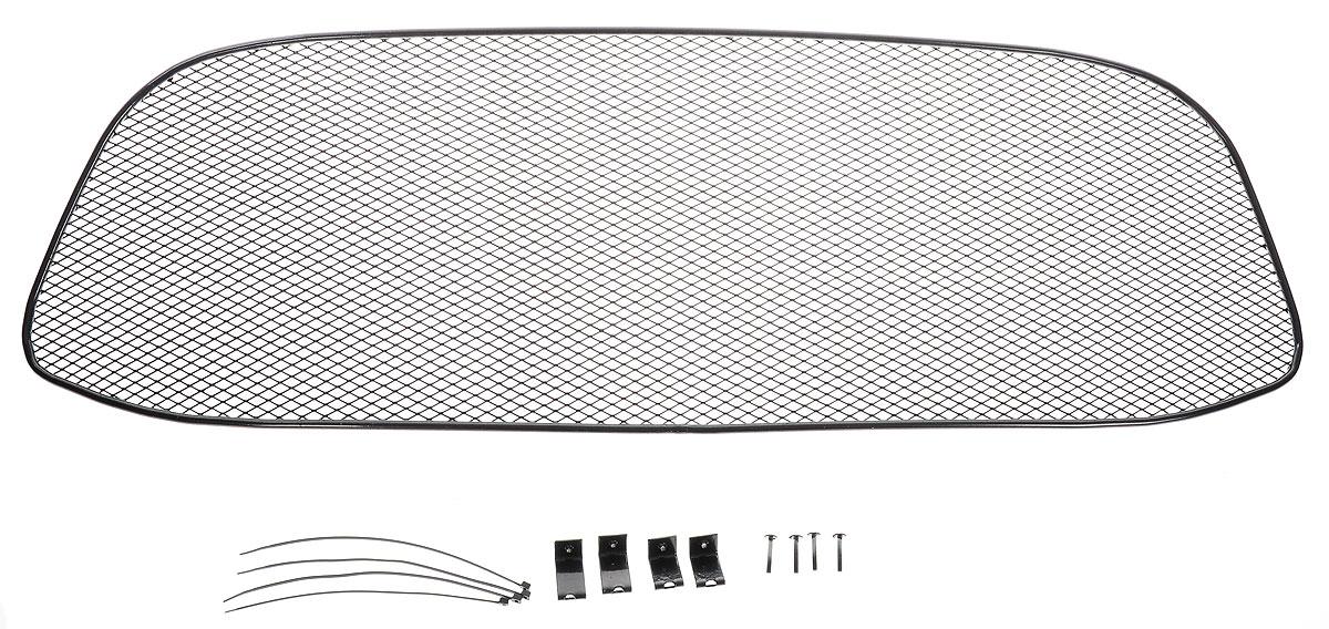 Сетка на решетку радиатора Novline-Autofamily, для LADA Kalina 2014->01-550413-15BСетка для защиты радиатора Novline-Autofamily изготовлена из антикоррозионного материала, что гарантирует отсутствие ржавчины в процессе эксплуатации. Изделие устанавливается на штатную решетку переднего бампера автомобиля, защищая таким образом радиатор от попадания камней, крупных насекомых, мелких птиц. Простая установка делает это изделие необыкновенно удобным. В отличие от универсальных сеток, для установки которых требуется снятие бампера, то есть наличие специализированных навыков и дополнительного оборудования (подъемник и так далее), для установки этой сетки понадобится 20 минут времени и отвертка. Данный продукт разработан индивидуально под каждый бампер автомобиля. Внешняя защитная сетка радиатора полностью повторяет геометрию решетки бампера и гармонично вписывается в общий стиль автомобиля.