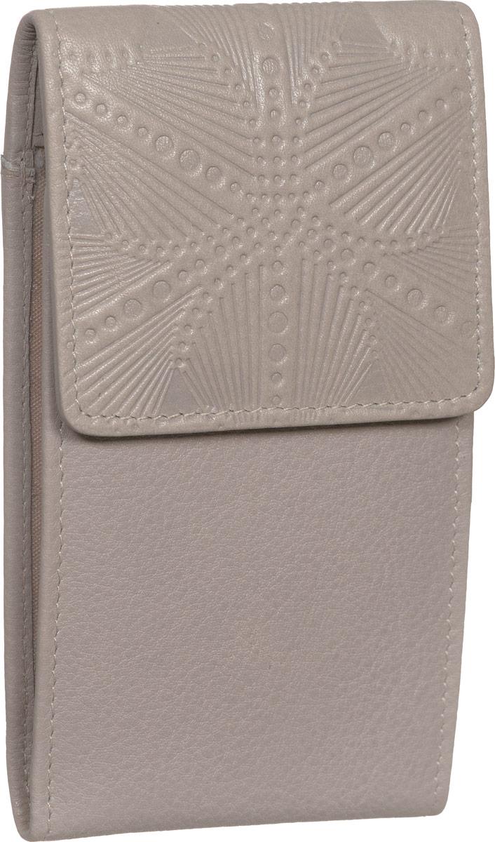 Визитница женская Fabula Abstraction, цвет: серый. V.71.SEV.71.SE серыйЖенская визитница Fabula Abstraction выполнена из высококачественной натуральной кожи с декоративным тиснением в виде абстракции. Внутри имеется два боковых кармана и двадцать отделений для визиток из прозрачного пластика. Модель закрывается клапаном на застежку-кнопку. Изделие упаковано в фирменную коробку. Такая визитница станет отличным подарком для человека, ценящего качественные и практичные вещи.