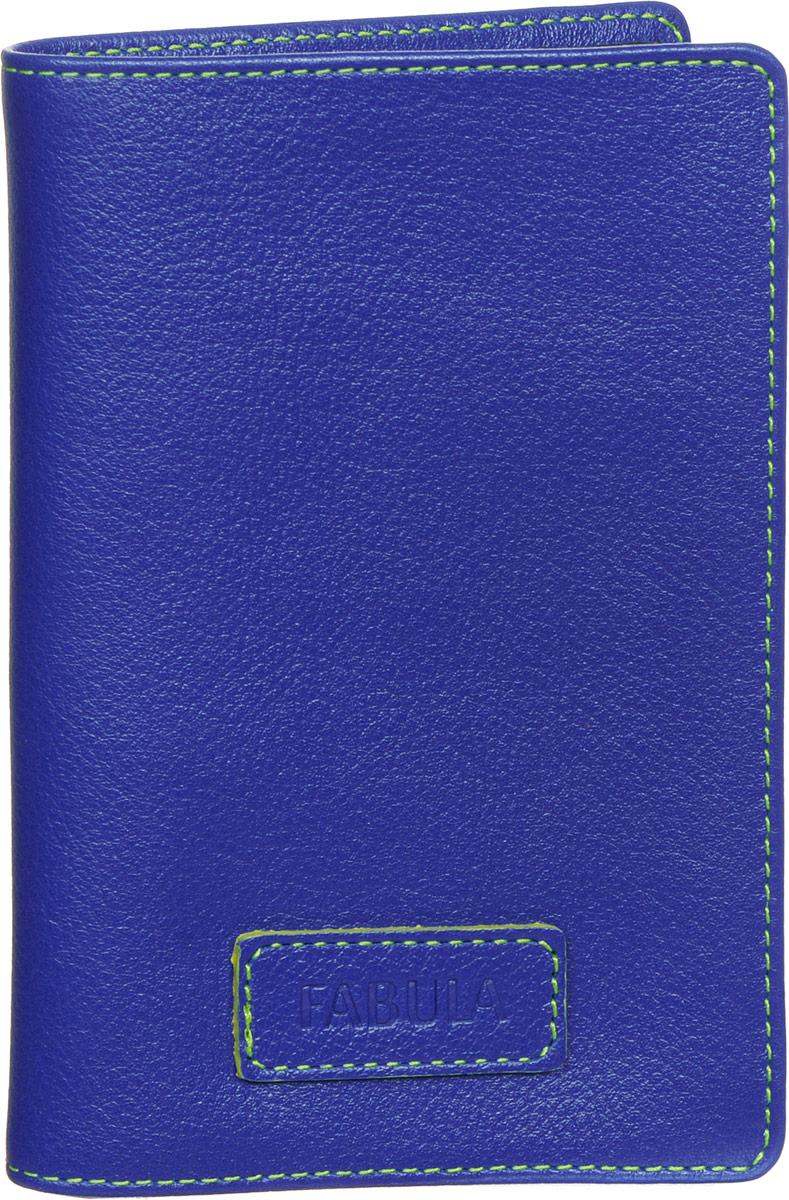 Обложка для паспорта женская Fabula Ultra, цвет: синий. O.82.FPO.82.FP.синийСтильная обложка для паспорта Fabula Ultra выполнена из натуральной кожи с зернистой текстурой, оформлена нашивкой с тиснением в виде символики бренда и контрастной отстрочкой. Подкладка изготовлена из полиэстера. Изделие раскладывается пополам, внутри расположены два пластиковых кармашка. Такая обложка для паспорта станет прекрасным и стильным подарком человеку, любящему оригинальные и практичные вещи.