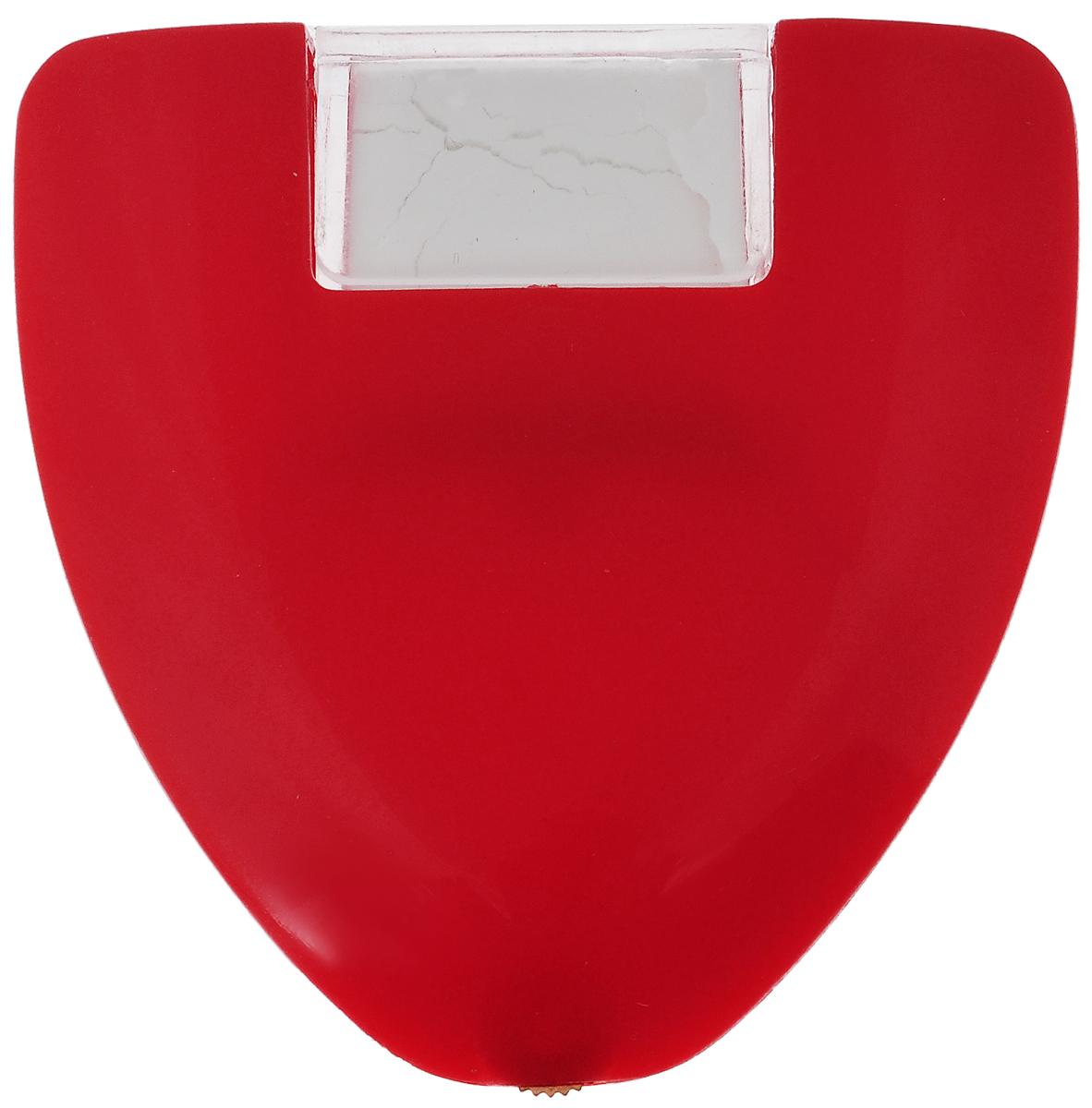 Колесико меловое Hemline, для разметки и нанесения линий244Меловое колесико Hemline предназначено для разметки и нанесения линий. В меловом колесике используется порошковый мел, который помещен в специальный прозрачный пластиковый контейнер. Контейнер с мелом закрепляется на пластиковом корпусе. Для равномерного распределения мела на поверхность материала предусмотрен простейший механизм - регулировочное колесико с зубчиками. Благодаря этому колесику мел не просто высыпается, а распределяется тонкой четкой линией. Мел-порошок в контейнере - очень удобный вариант нанесения меловой разметки. У вас всегда будут чистые руки, изделие не оставляет никаких жирных следов и оставляет тонкий и четкий след. Пластиковый контейнер оснащен предохранителем. Перед началом работы необходимо снять предохранитель и высыпать мел в пластиковый корпус. Контейнер с мелом заменяемый.