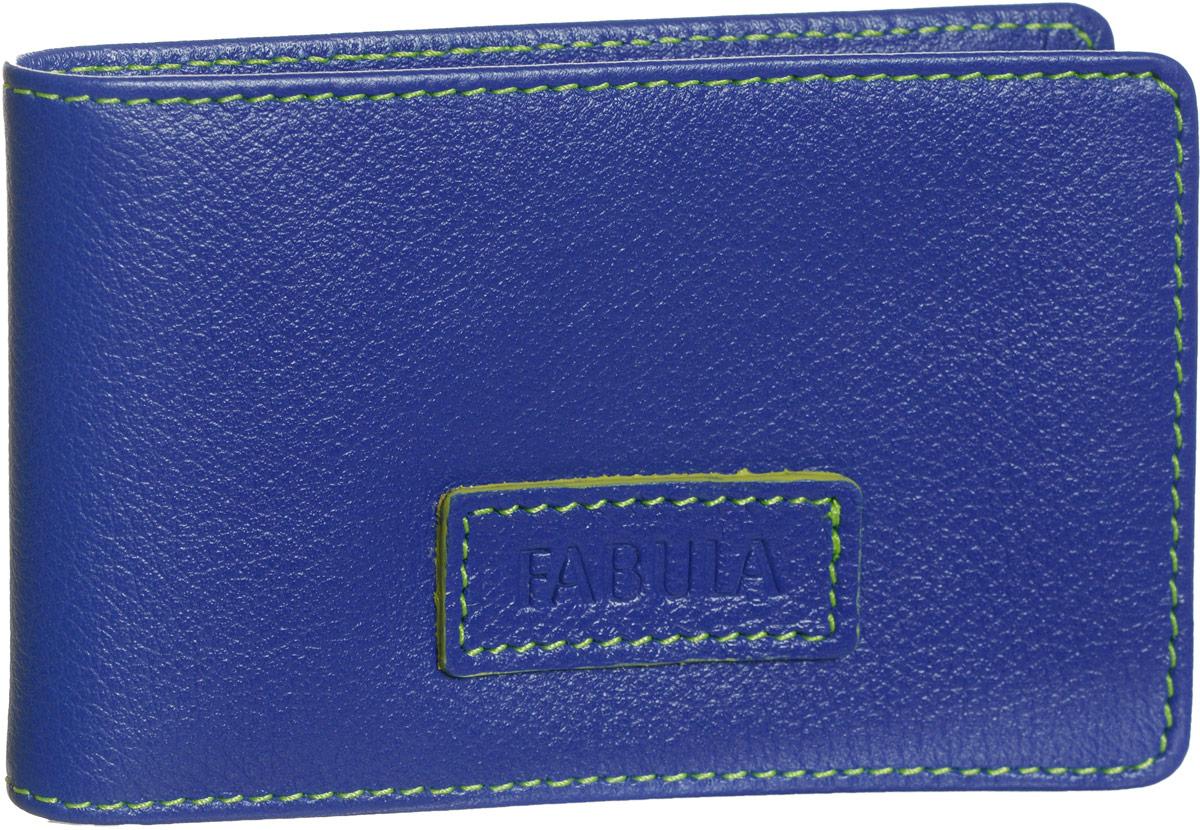 Визитница женская Fabula Ultra, цвет: синий. V.90.FPV.90.FP.синийСтильная горизонтальная визитница Fabula Ultra выполнена из натуральной кожи, оформлена нашивкой с тиснением в виде названия бренда и контрастной отстрочкой. Изделие раскладывается пополам. Внутри визитницы расположен вкладыш из прозрачного ПВХ, который включает в себя двадцать файлов для визиток или кредитных карт. Изделие поставляется в фирменной упаковке. Визитница Fabula Ultra станет отличным подарком для человека, ценящего качественные и практичные вещи.