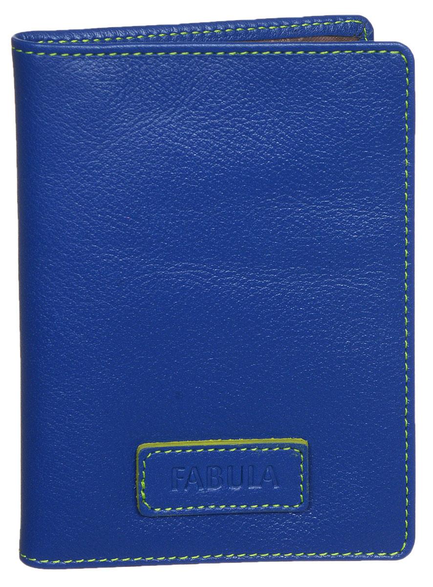 Бумажник водителя Fabula Ultra, цвет: синий. BV.75.FPBV.75.FP.синийБумажник водителя Fabula Ultra выполнен из натуральной кожи с зернистой фактурой и оформлен нашивкой с тиснением в виде символики бренда. Подкладка выполнена из полиэстера. Изделие раскладывается пополам. Отделение для автодокументов включает в себя вкладыш из прозрачного ПВХ, который содержит шесть файлов. Изделие поставляется в фирменной упаковке. Стильный бумажник водителя Fabula Ultra станет отличным подарком для человека, ценящего качественные и практичные вещи.