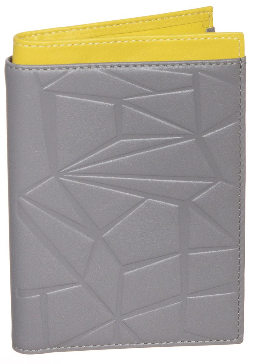 Бумажник водителя Askent Geometry, цвет: серый, желтый. BV.59.AMBV.59.AM. серый/желтыйБумажник водителя Askent Geometry выполнен из натуральной кожи в двух цветовых решениях и украшен оригинальным геометрическим рисунком. Имеет внутри семь прорезанных карманов для кредитных карт и визиток, глубокое отделение для купюр и внутренний блок для водительских документов из прозрачного пластика (6 карманов). Такой бумажник станет отличным подарком для человека, ценящего качественные и необычные вещи.