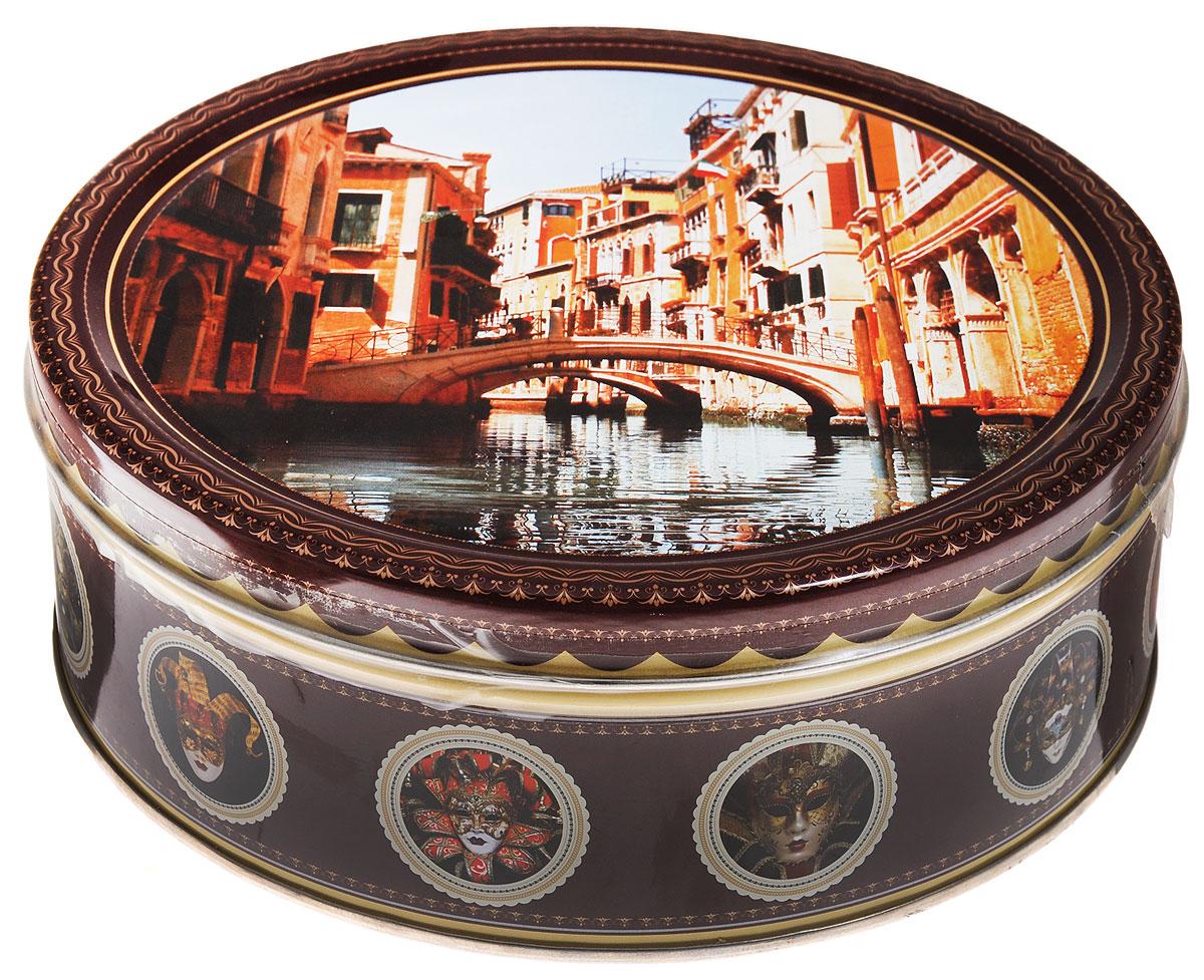 Monte Christo Венеция печенье с кусочками шоколада, 400 г4600416016563_мостMonte Christo Венеция - 100% сдобное печенье с кусочками шоколада. Упаковано в металлическую банку, оформленную ярким рисунком. Такое печенье станет оригинальным подарком к любому значимому событию.