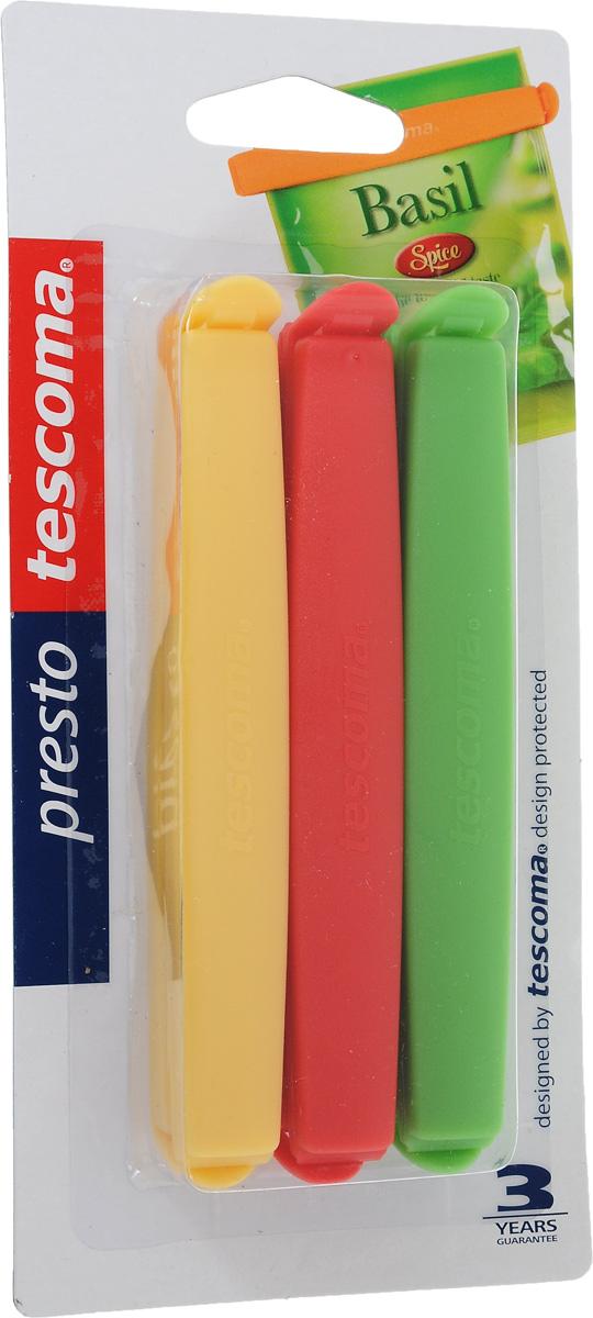 Набор зажимов для пакетов Tescoma Presto, цвет: красный, желтый, зеленый, 6 шт. 420754420754_красный, желтый, зеленыйНабор Tescoma Presto состоит из 6 зажимов, выполненных из высококачественного пластика. С помощью такого набора вы дольше сохраните свежесть продуктов, которые хранятся в пакетах. Кроме того, вы можете не пересыпать содержимое в емкости для сыпучих продуктов: просто закройте пакет зажимом. Можно использовать в морозильнике и мыть в посудомоечной машине. Длина зажима: 12 см. Комплектация: 6 шт.