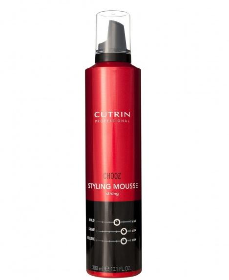 Cutrin Пенка сильной фиксации Styling Mousse Strong, 300 мл12762Обеспечивает гибкую эластичную фиксацию и долговременный воздушный объем. Защищает волосы от высоких температур при укладке феном или утюгом. Пантенол оказывает на волосы ухаживающий эффект. Отсутствие в формуле спирта делает воздействие продукта на волосы максимально деликатным.