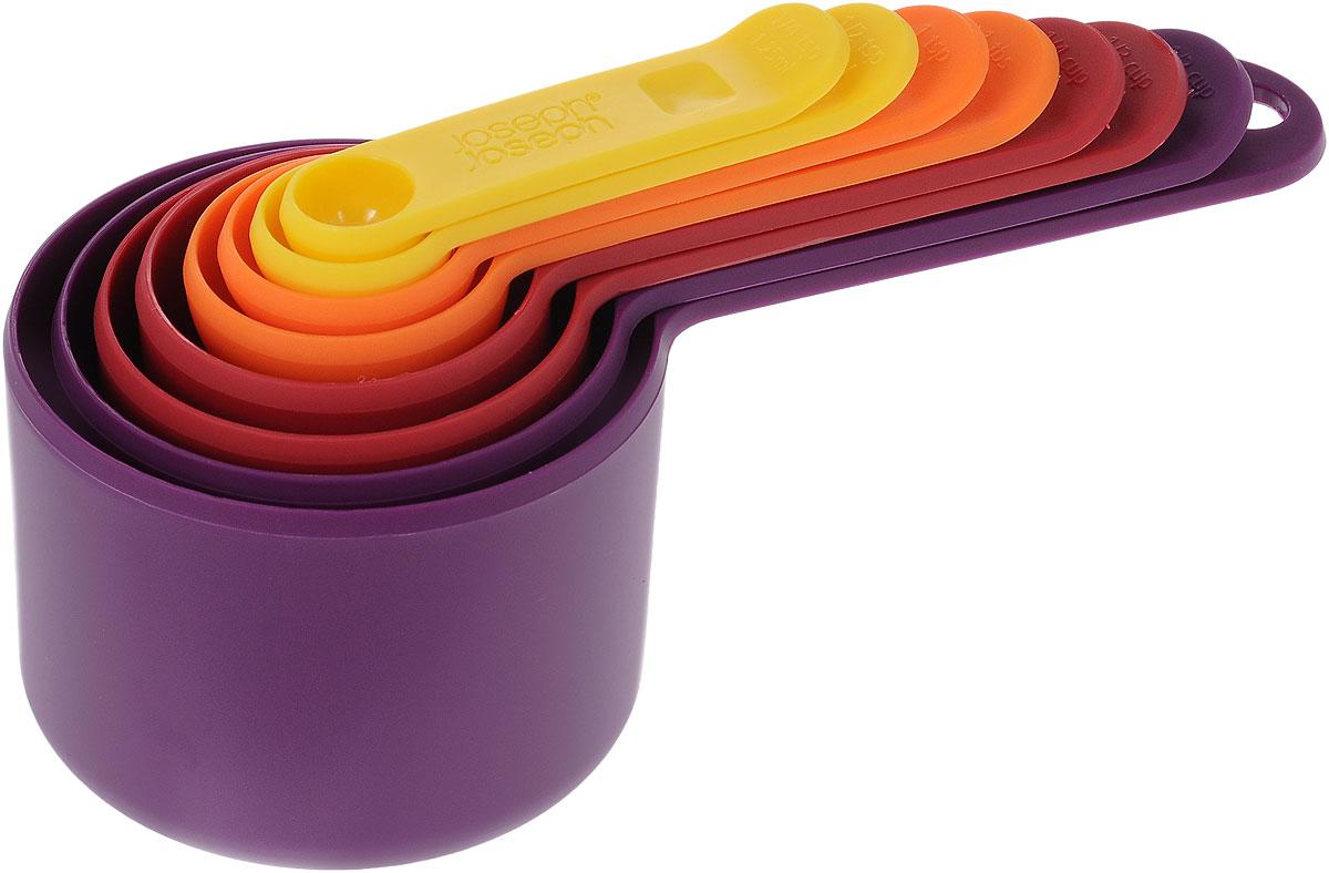 Набор мерных емкостей Joseph Joseph Nest, 8 шт40019Набор Joseph Joseph Nest, выполненный из высококачественного пищевого пластика, состоит из 8 мерных емкостей различного объема. Емкости складываются друг в друга, что позволяет существенно экономить пространство на кухне. Ручки емкостей оснащены отметками литража (в миллилитрах и tsp/cup). Набор позволяет измерять объем от 1,25 мл до 250 мл и от 1/4 чайной ложки до 1 чашки. Набор мерных емкостей Joseph Joseph Nest станет незаменимым помощником в приготовлении пищи, а современный стильный дизайн позволит такому набору занять достойное место на вашей кухне, добавив интерьеру оригинальности. Коллекция Nest - это практичность, экономия пространства, яркие краски и стиль! В любом доме будут рады такому подарку, и никто не останется равнодушным к этому набору. Можно мыть в посудомоечной машине. Объем мерных емкостей: 1,25 мл; 2,5 мл; 5 мл; 15 мл; 60 мл; 85 мл; 125 мл; 250 мл. Длина емкостей (с ручками): 7,5-18 см.