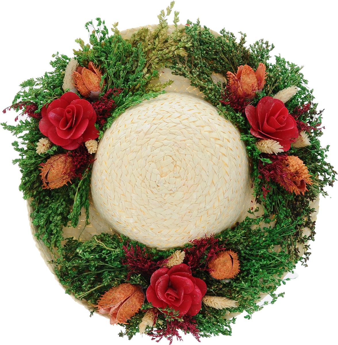 Декоративное настенное украшение Lillo Шляпа с цветами, цвет: светло-бежевый, зеленый, бордовыйAF 03127_бордовыйДекоративное подвесное украшение Lillo Шляпа с цветами выполнено из натуральной соломы и украшено сухоцветами. Такая шляпа станет изящным элементом декора в вашем доме. С задней стороны расположена петелька для подвешивания. Такое украшение не только подчеркнет ваш изысканный вкус, но и прекрасным подарком, который обязательно порадует получателя. Размер шляпы: 29 см х 29 см х 7,5 см.