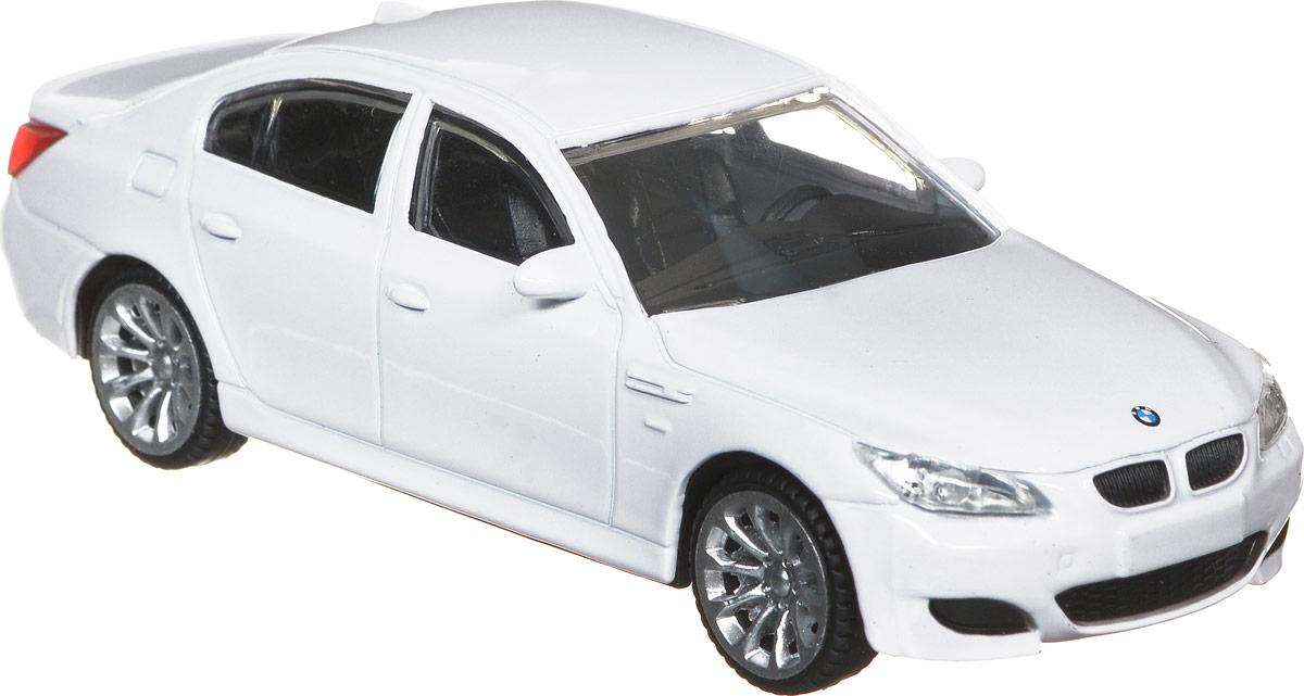 Rastar Модель автомобиля BMW M537500Модель автомобиля Rastar BMW M5 будет отличным подарком как ребенку, так и взрослому коллекционеру. Благодаря броской внешности, а также великолепной точности, с которой создатели этой модели масштабом 1:43 передали внешний вид настоящего автомобиля, машинка станет подлинным украшением любой коллекции авто. Модель будет долго служить своему владельцу благодаря металлическому корпусу с элементами из пластика. Колеса машинки свободно вращаются. Модель автомобиля Rastar BMW M5 обязательно понравится вашему ребенку и станет достойным экспонатом любой коллекции.