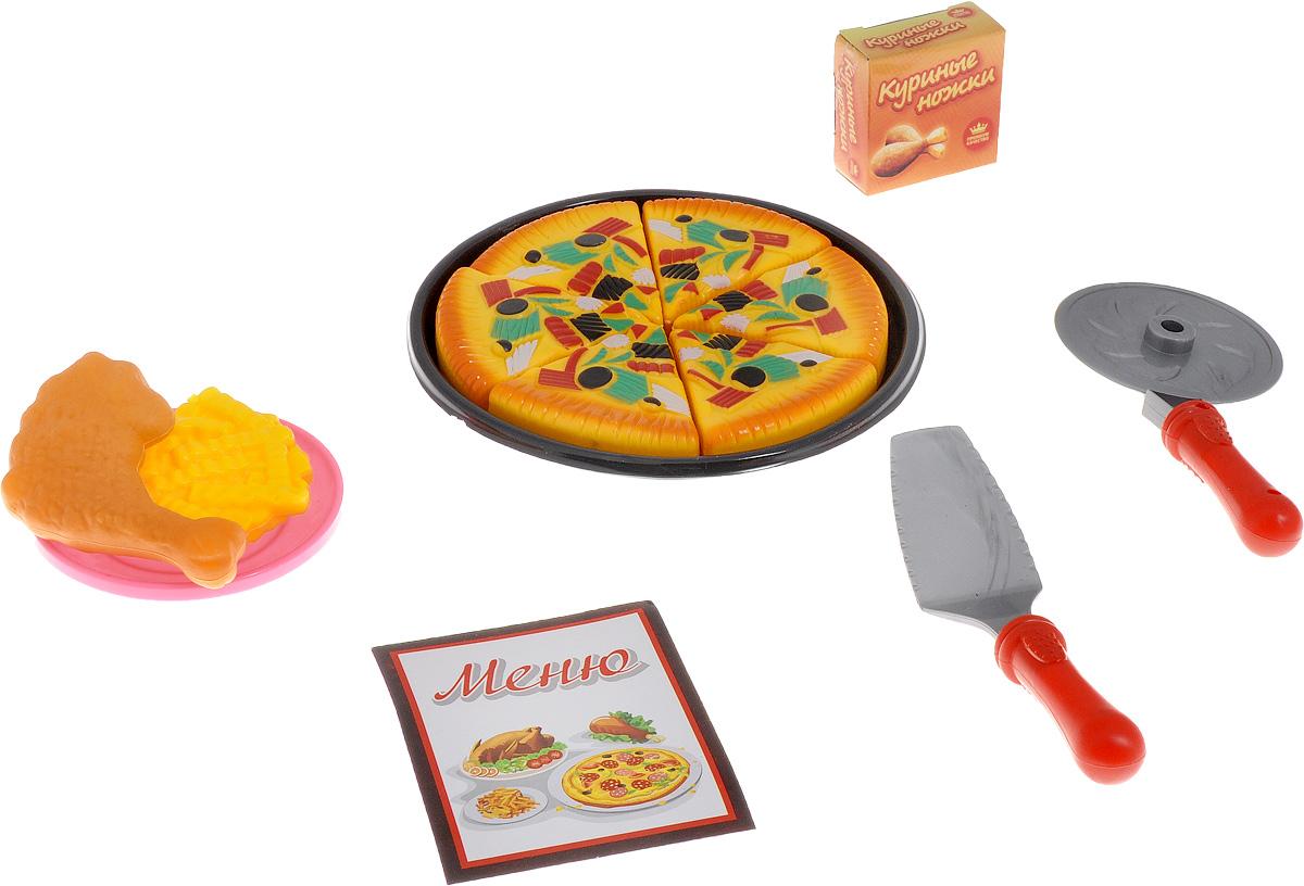 ABtoys Игрушечная пиццаPT-00363С набором ABtoys Игрушечная пицца юная хозяйка может устроить дома настоящую пиццерию. В наборе представлено большое блюдо, на котором выложены шесть кусочков пиццы, которая выглядит также аппетитно, как и настоящая. Также в комплект входят лопатка, тарелка, нож для пиццы, коробка с куриными ножками, куриная ножка, картофель фри и меню. Сюжетно-ролевые игрушки развивают когнитивные и тактильные навыки, способствуют развитию интеллекта.