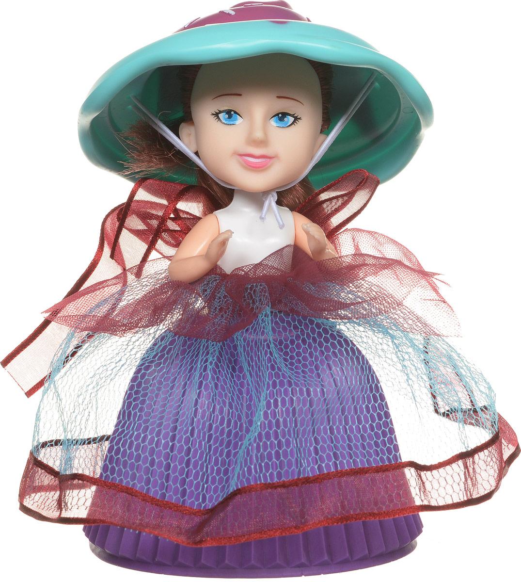 PlayMind Мини-кукла Jamie Mint39185BМини-кукла PlayMind Jamie Mint - это уникальная кукла-капкейк, которая непременно понравится вашей малышке. При помощи несложной трансформации яркий аппетитный кекс превращается в чудесную куколку, а верхушка кекса становится для нее элегантной шляпкой. Голова и ручки куклы подвижны. Длинные мягкие волосы куклы завязаны в пучок. Малышка с удовольствием будет расчесывать их, придумывая различные прически. Соберите коллекцию уникальных кукол-пирожных!
